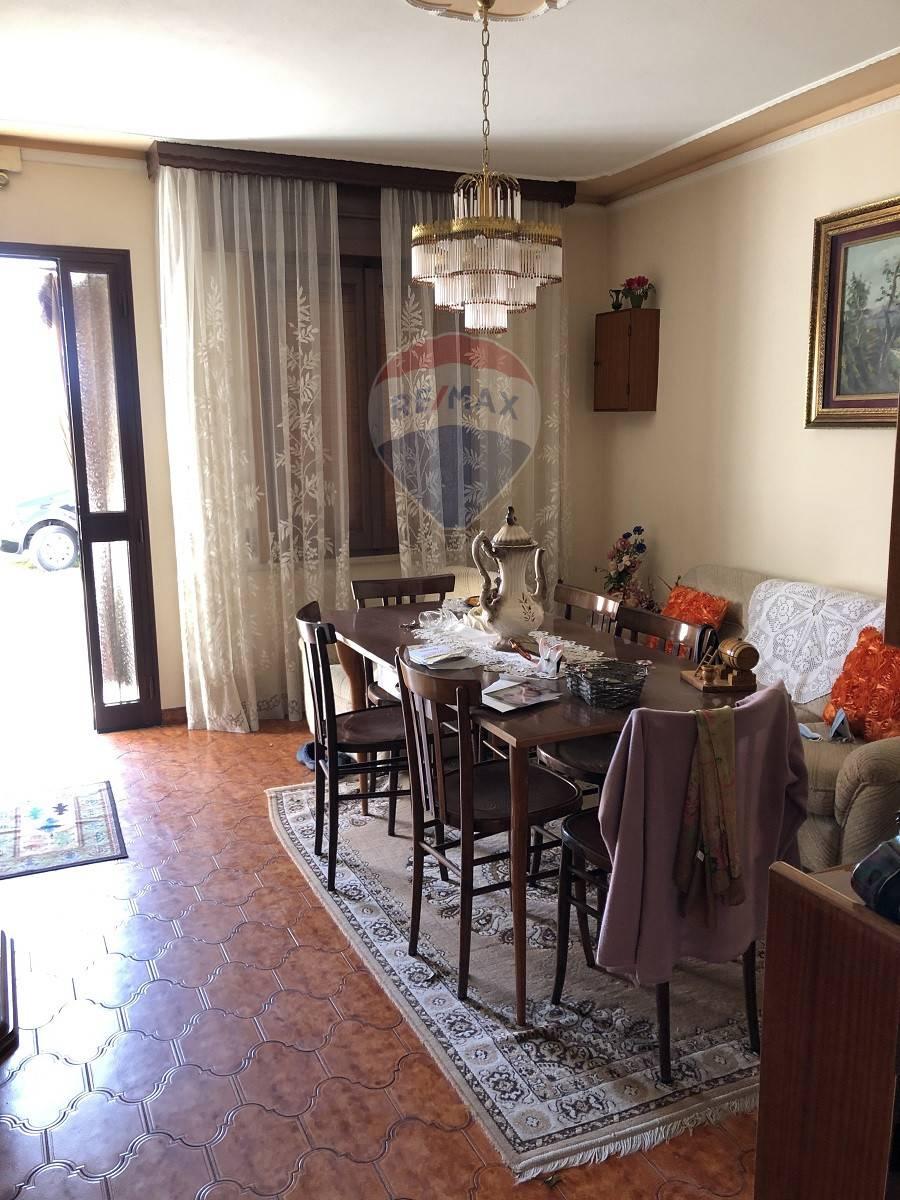 Rustico / Casale in vendita a Gazzo Veronese, 5 locali, prezzo € 45.000 | CambioCasa.it