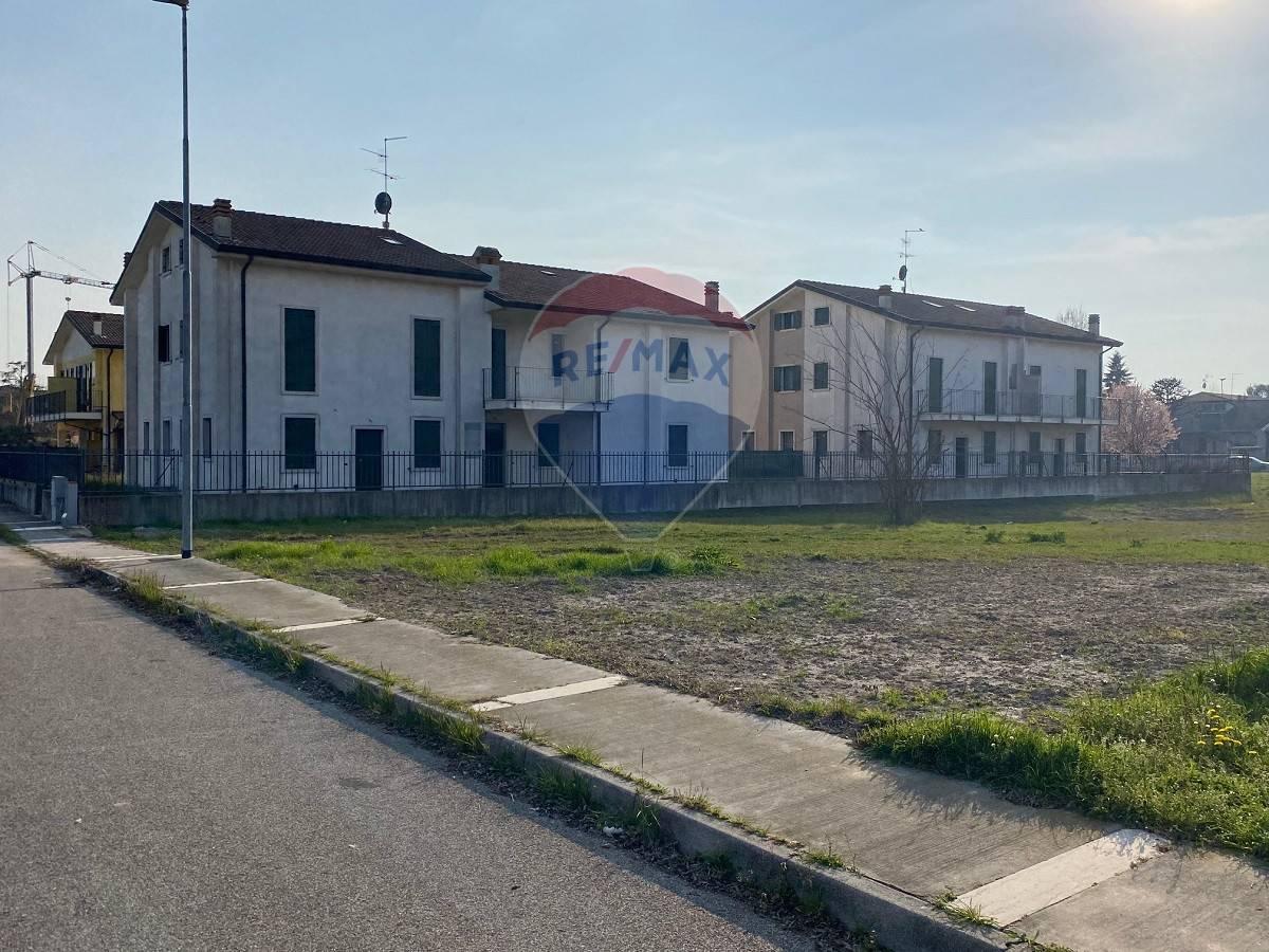 Villa a Schiera in vendita a Oppeano, 3 locali, prezzo € 118.000   CambioCasa.it
