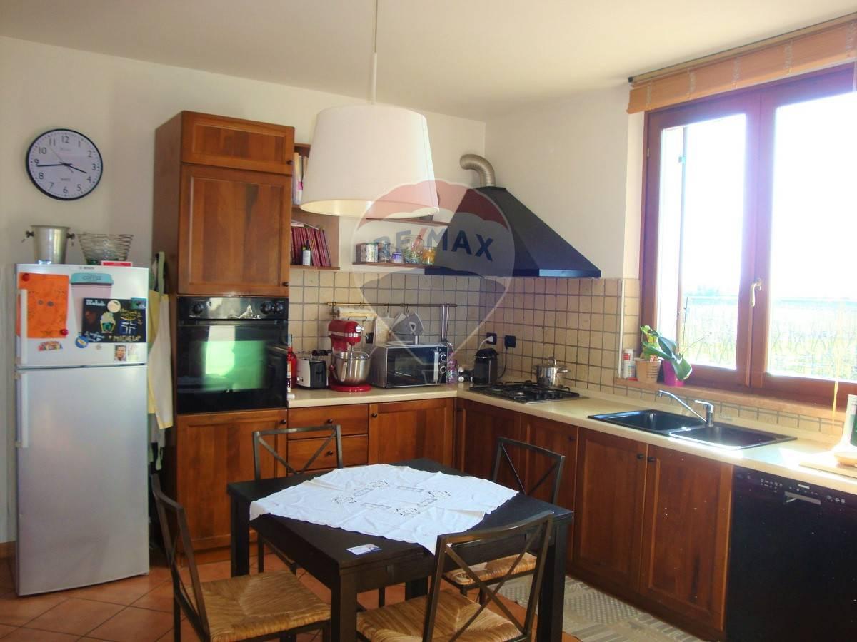 Appartamento in affitto a Caldiero, 3 locali, zona Zona: Caldierino, prezzo € 600 | CambioCasa.it