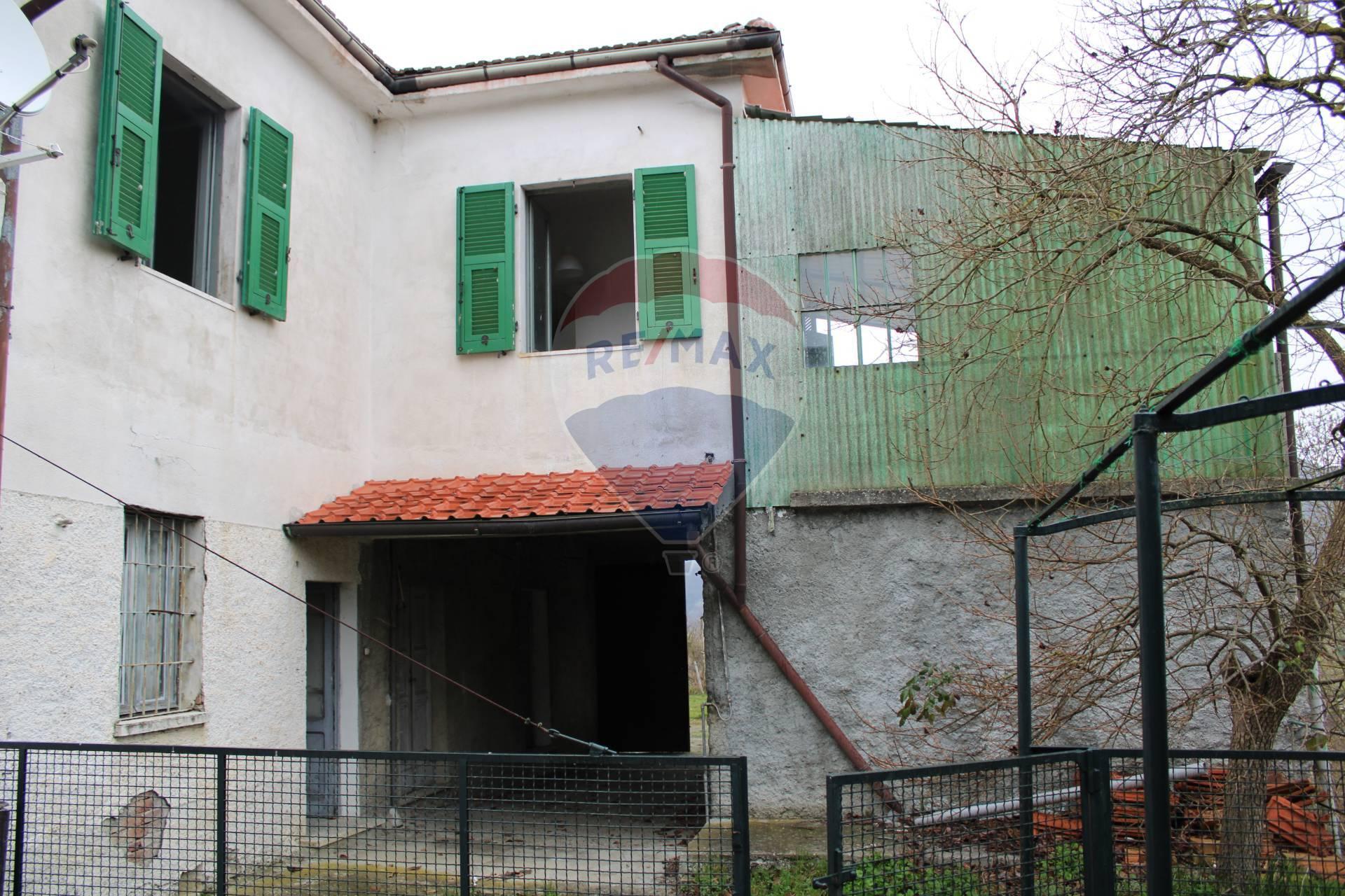 Soluzione Semindipendente in vendita a Mombaldone, 4 locali, prezzo € 40.000 | CambioCasa.it