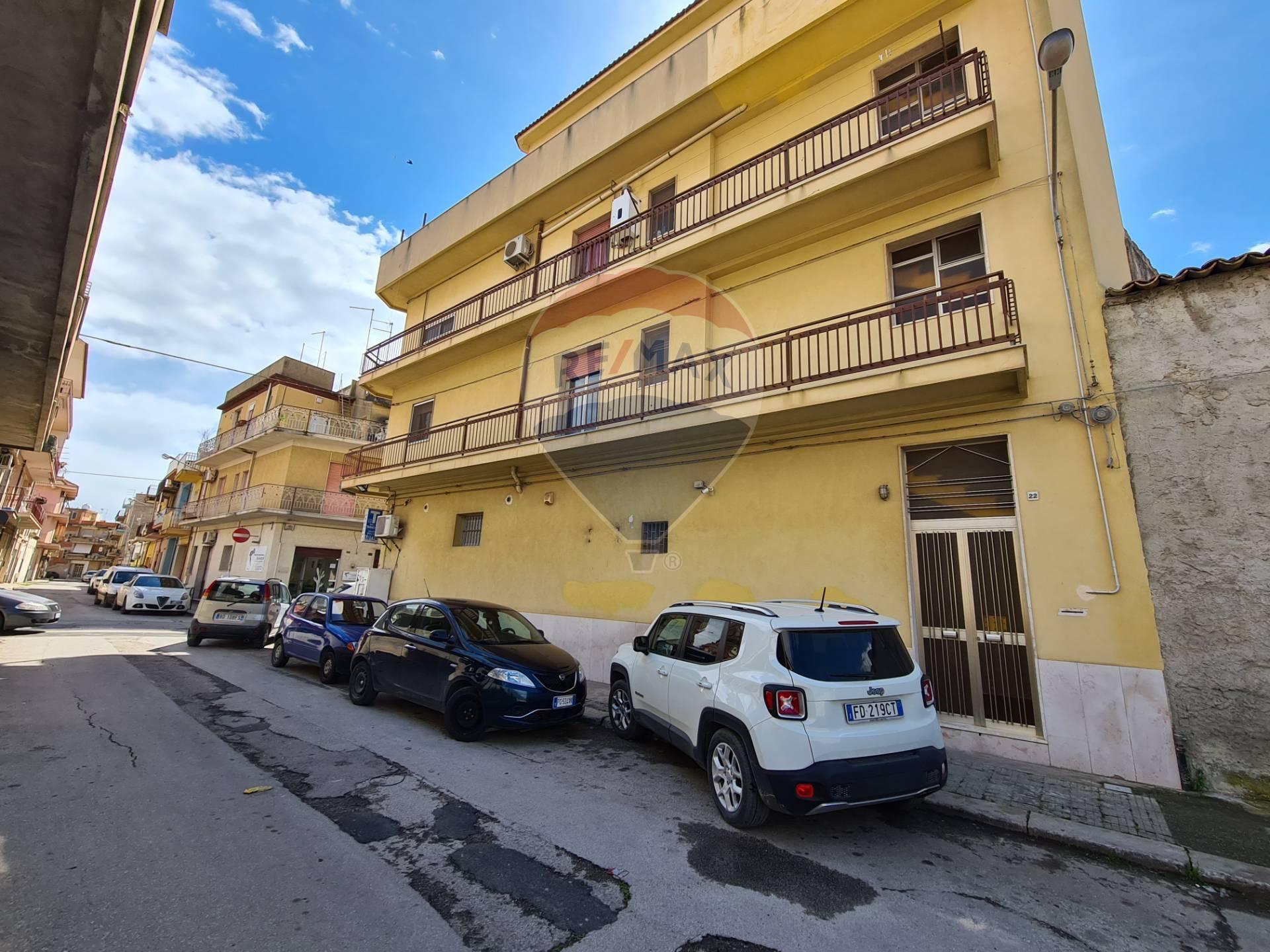 Soluzione Indipendente in vendita a Vittoria, 6 locali, prezzo € 105.000 | CambioCasa.it