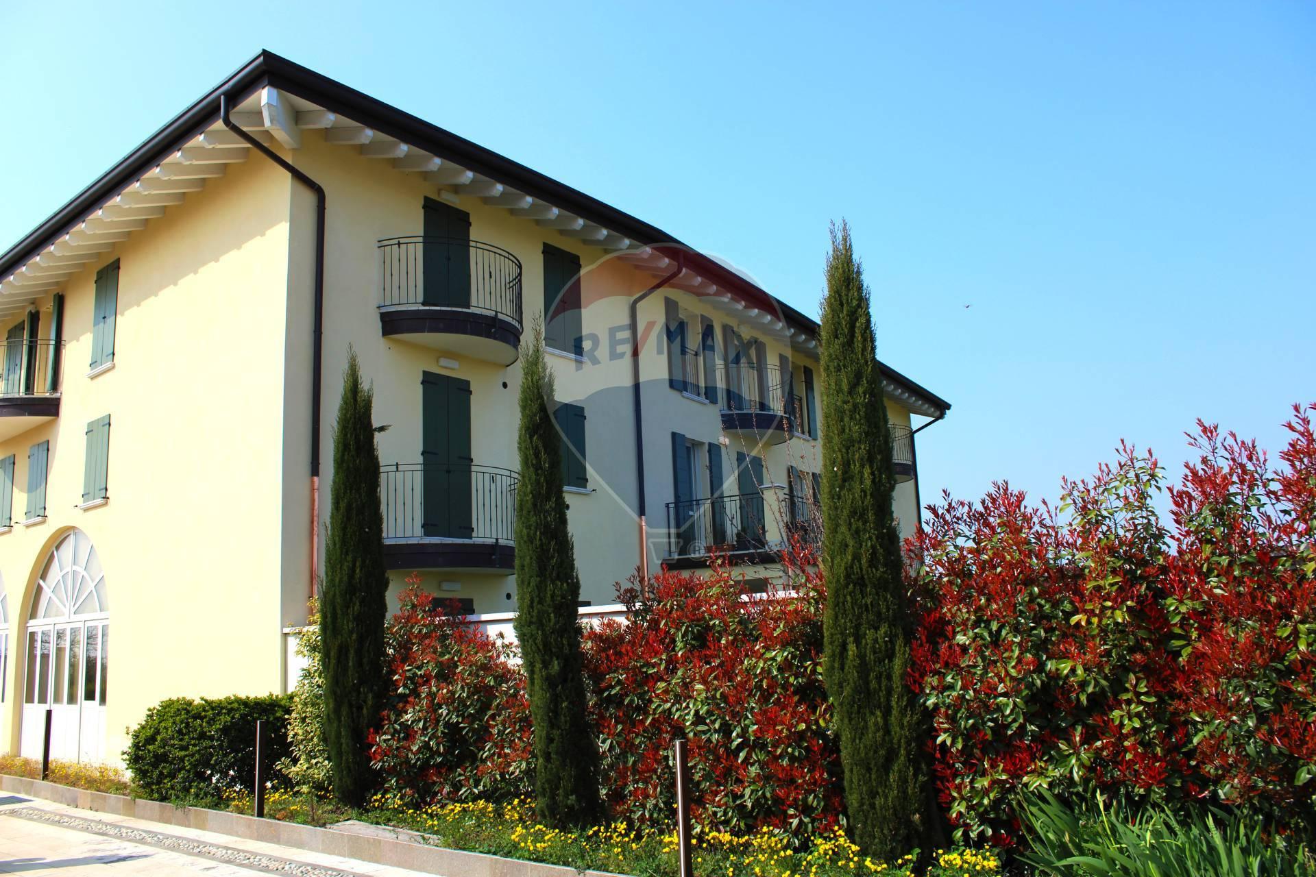 Appartamento in vendita a Desenzano del Garda, 3 locali, zona Località: RivoltelladelGarda, prezzo € 275.000 | PortaleAgenzieImmobiliari.it