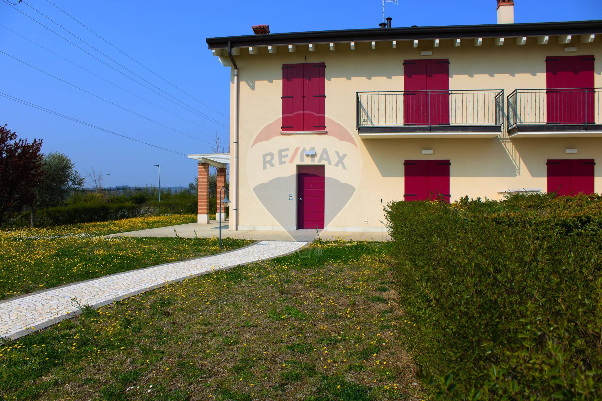Villa a Schiera in vendita a Desenzano del Garda, 6 locali, zona Località: RivoltelladelGarda, prezzo € 480.000 | CambioCasa.it