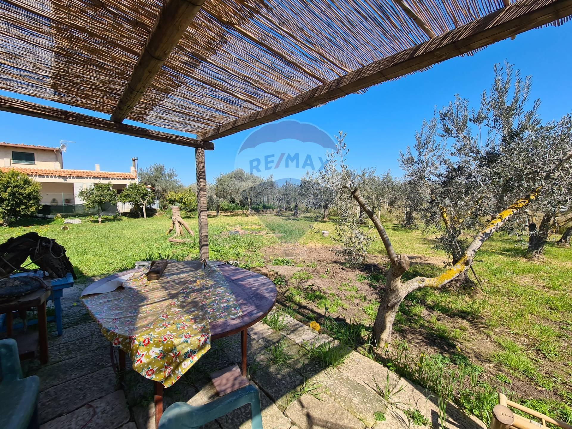 Soluzione Indipendente in vendita a Chiaramonte Gulfi, 6 locali, prezzo € 79.000 | CambioCasa.it