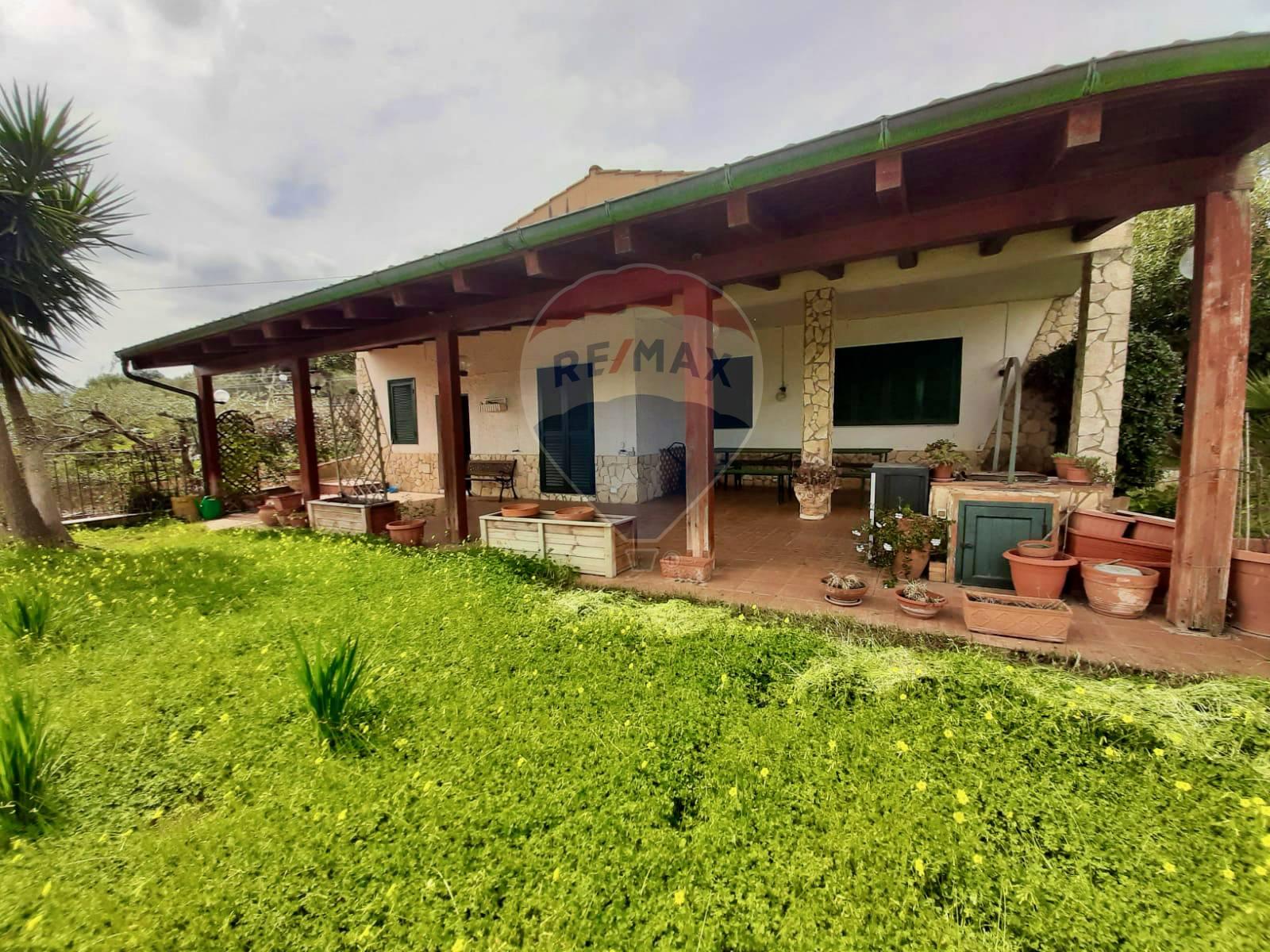 Villa in vendita a Caltagirone, 3 locali, prezzo € 105.000 | CambioCasa.it