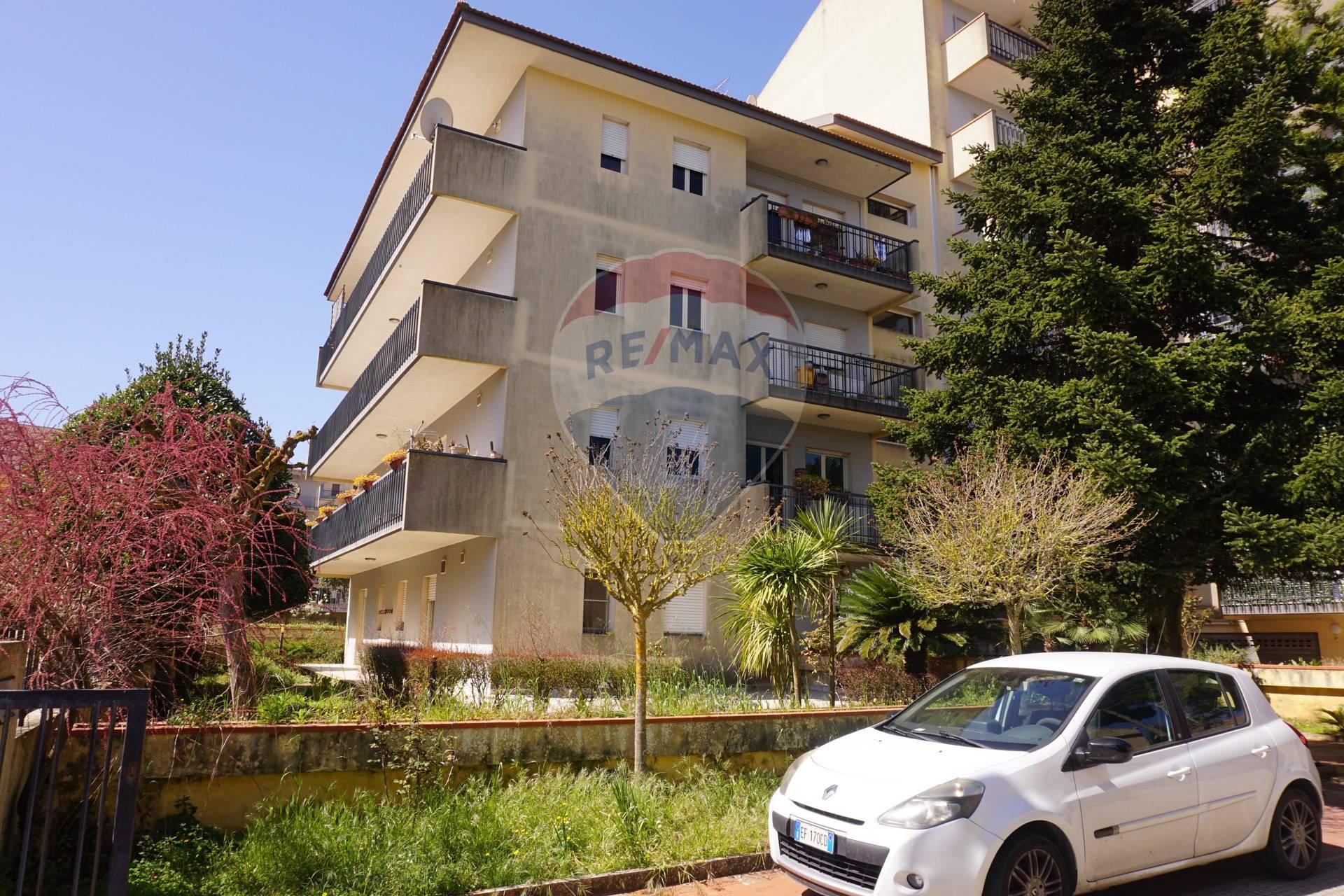Appartamento in affitto a Ragusa, 6 locali, zona Località: Beddio, prezzo € 600 | CambioCasa.it