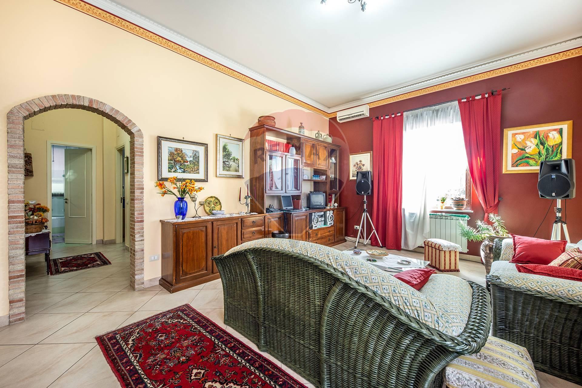 Appartamento in vendita a Pedara, 4 locali, prezzo € 170.000 | CambioCasa.it