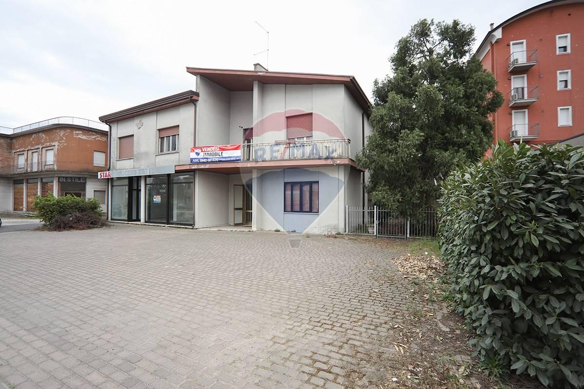 Soluzione Indipendente in vendita a Casaleone, 15 locali, prezzo € 295.000   CambioCasa.it