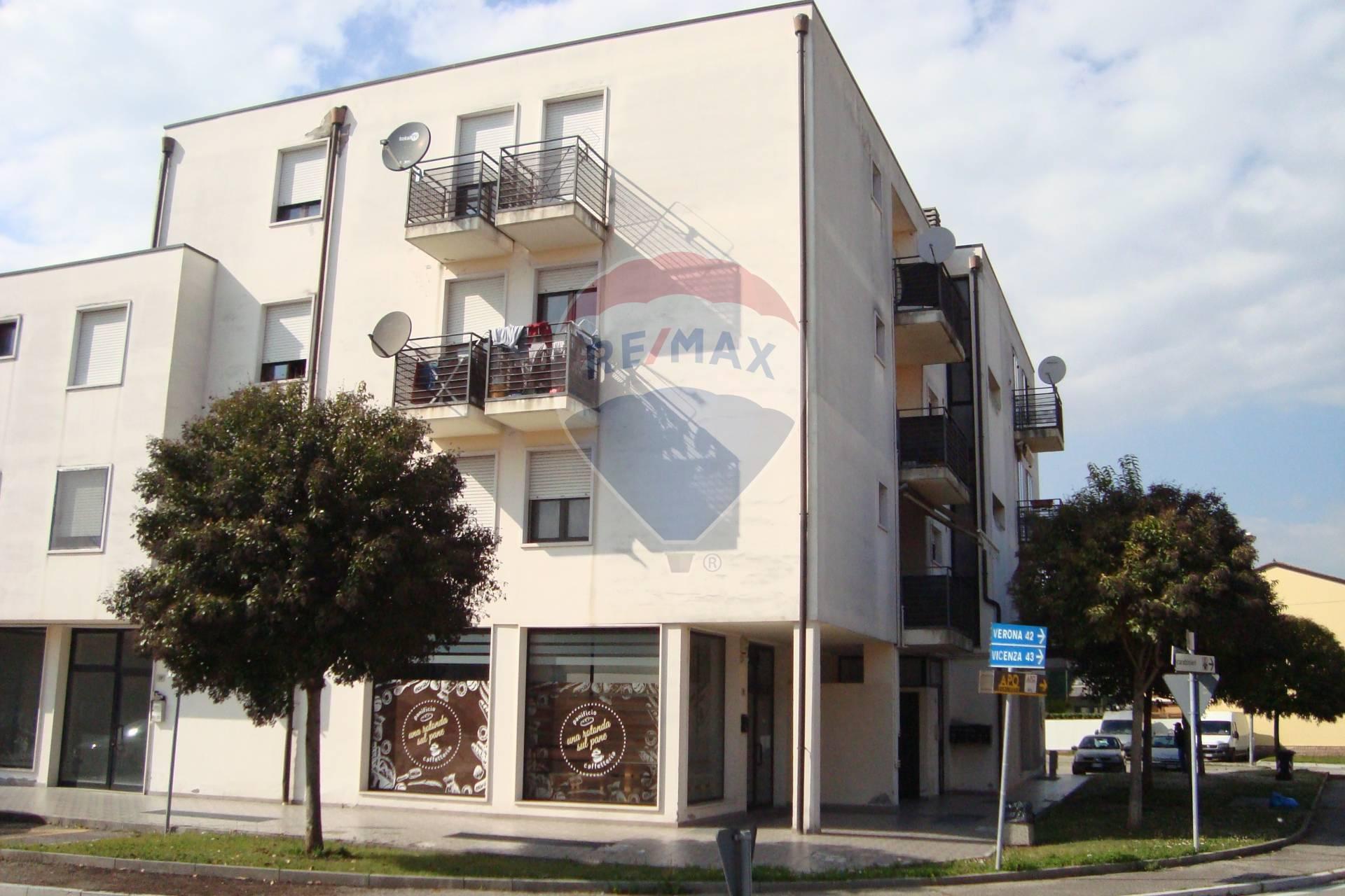 Appartamento in vendita a Minerbe, 4 locali, prezzo € 95.000 | CambioCasa.it