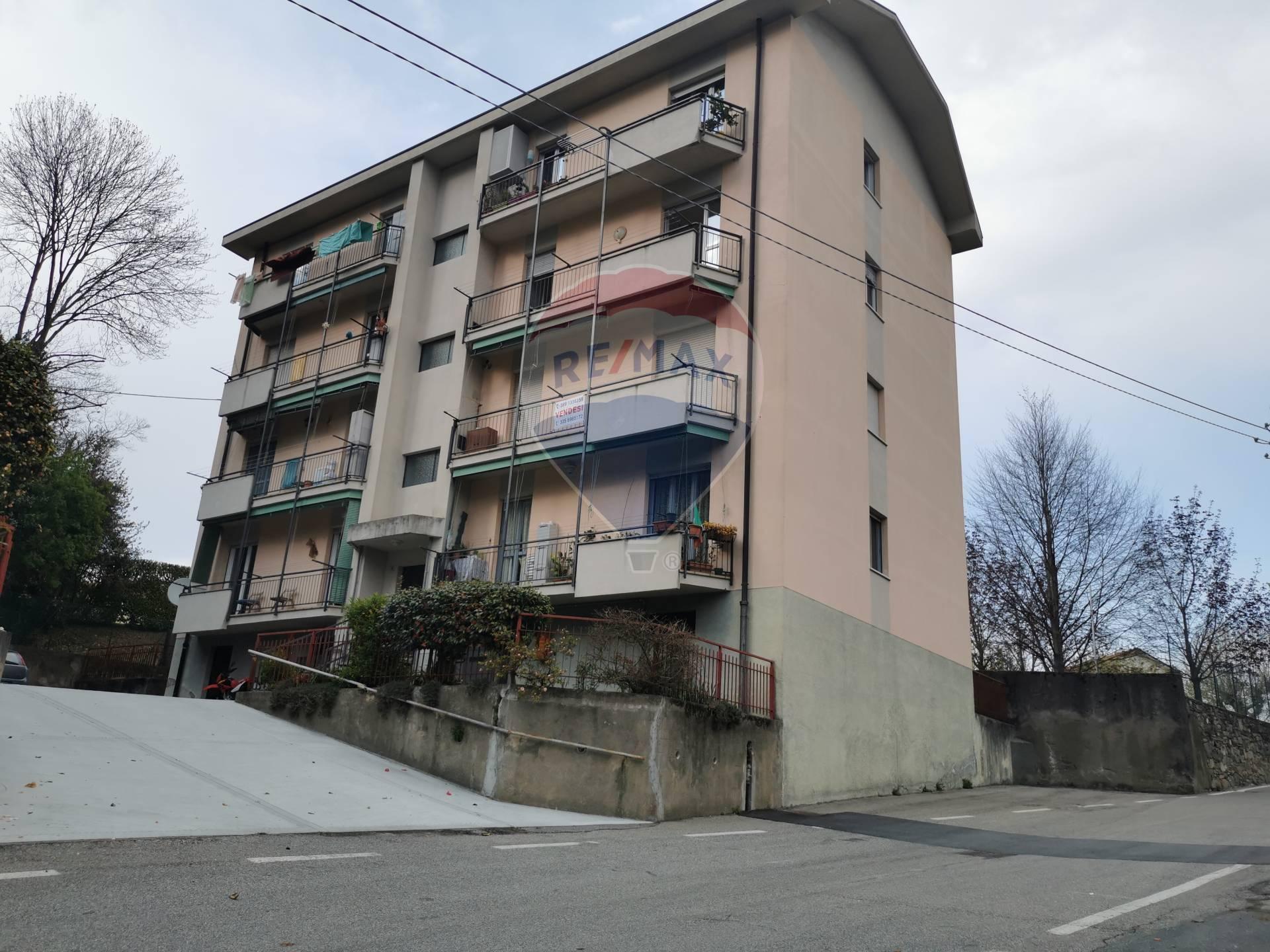 Vendita Quadrilocale Appartamento Arona 259659