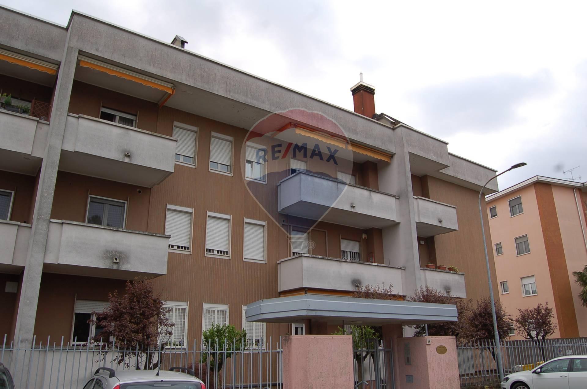 Appartamento in affitto a Rho, 2 locali, zona Località: ZonaSanPietro, prezzo € 7.200   CambioCasa.it