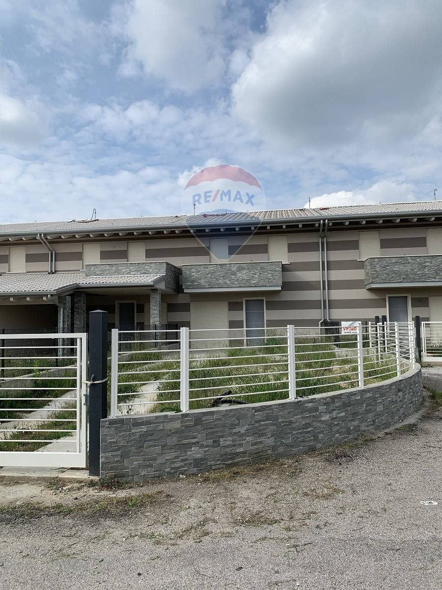 Villa Bifamiliare in vendita a Melara, 4 locali, prezzo € 230.000 | CambioCasa.it