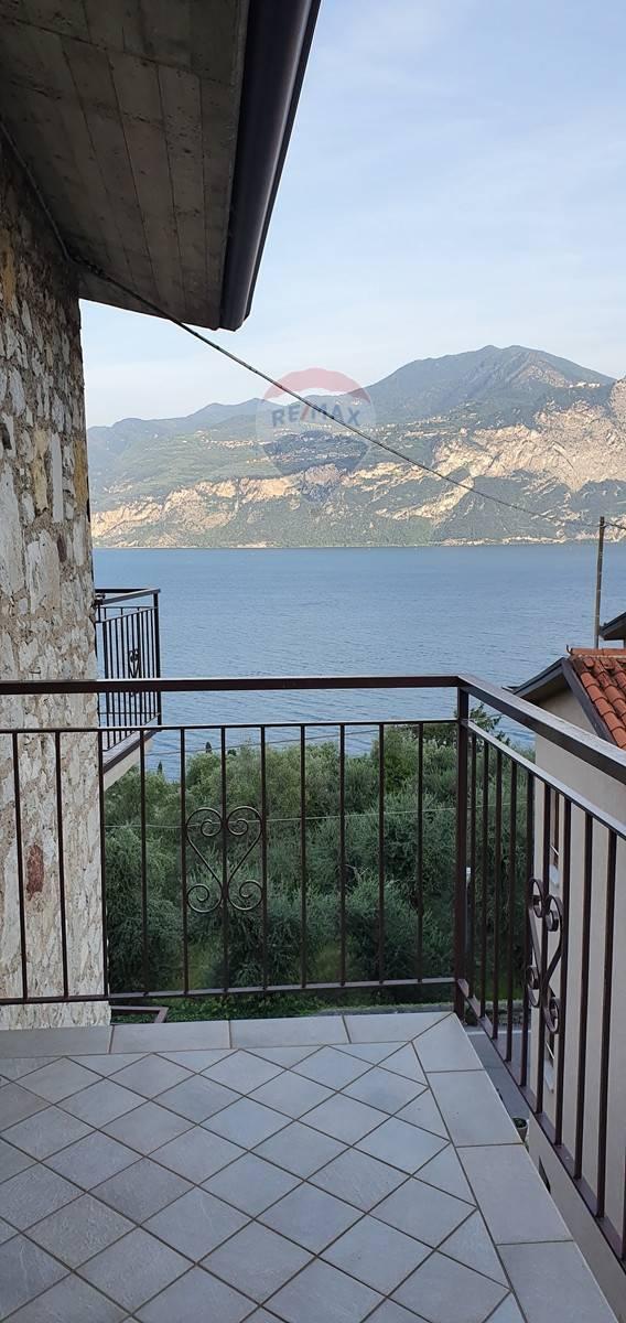 Appartamento in vendita a Brenzone, 2 locali, prezzo € 285.000 | CambioCasa.it
