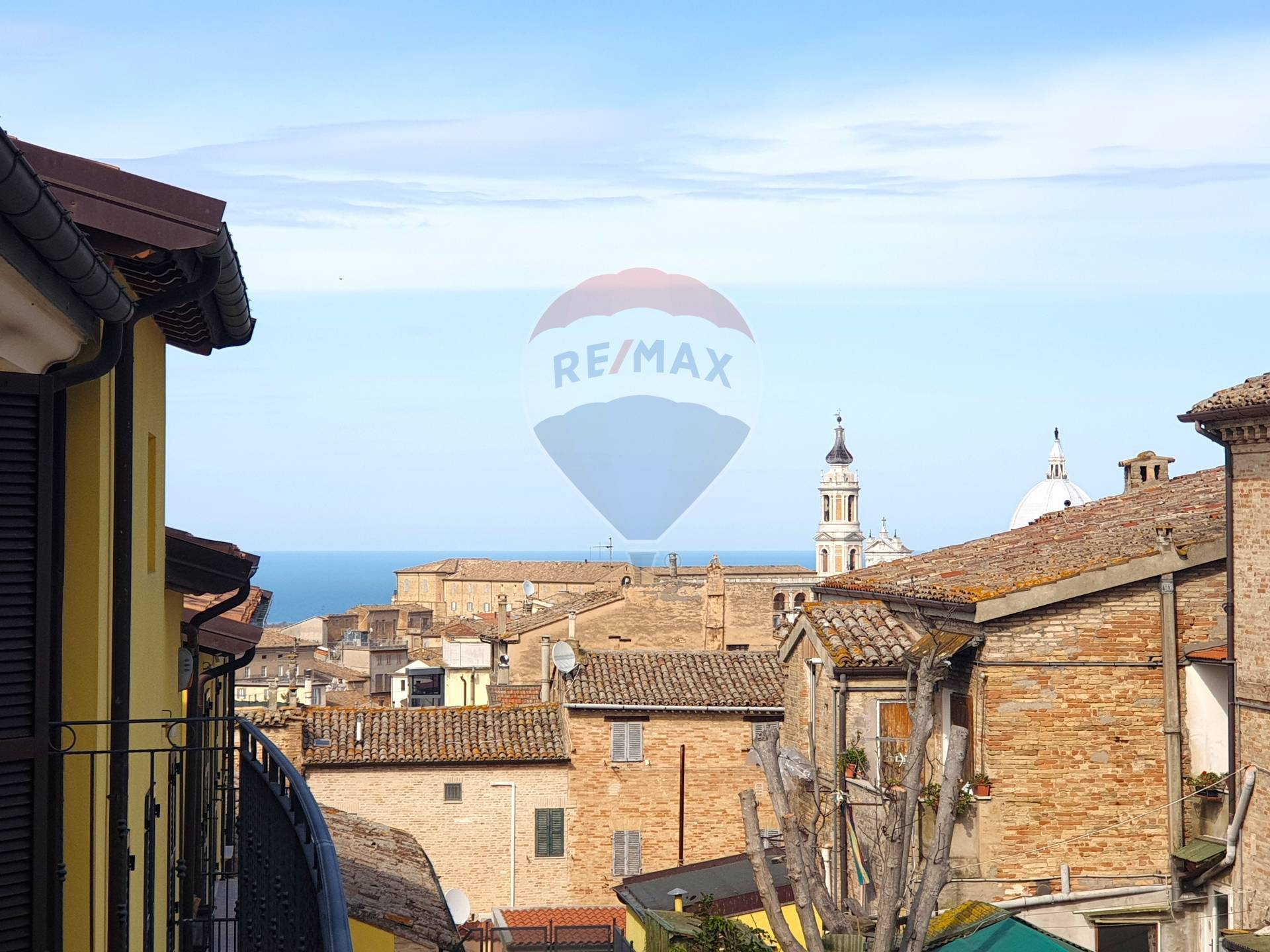 Appartamento in vendita a Loreto, 3 locali, zona Località: laPianaeMontereale, prezzo € 108.000 | CambioCasa.it