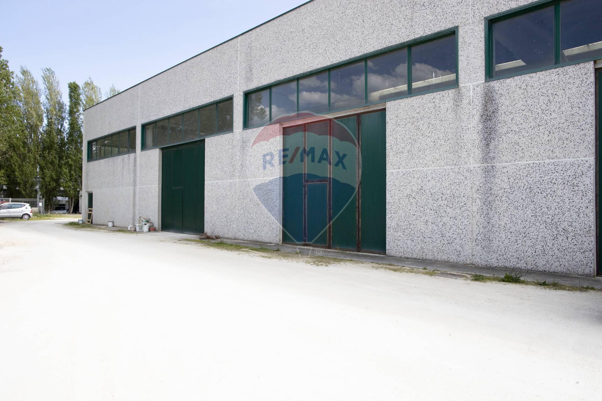 Capannone in vendita a Montemarciano, 9999 locali, prezzo € 167.000 | CambioCasa.it