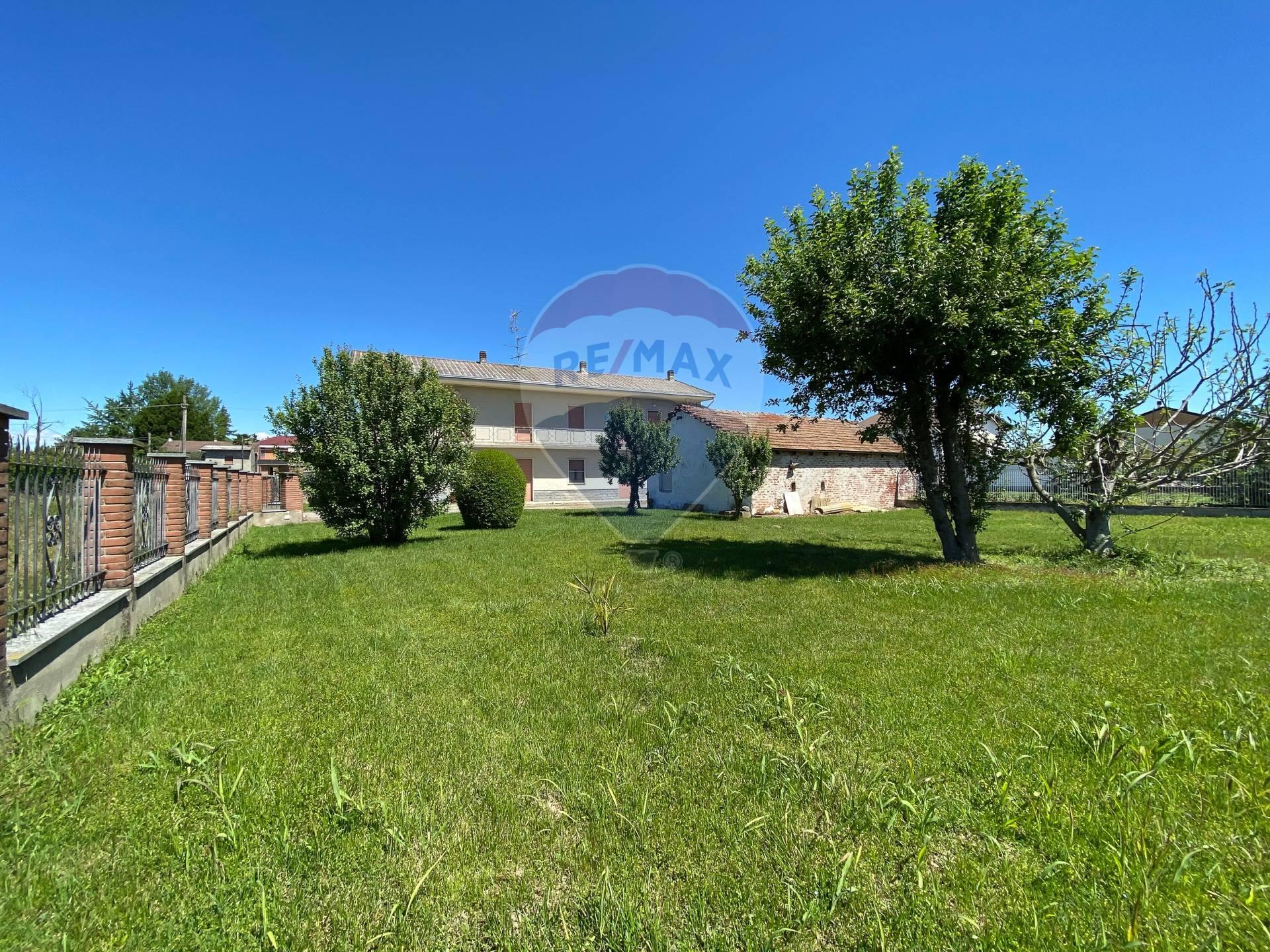 Villa Bifamiliare in vendita a Villata, 7 locali, prezzo € 98.000 | CambioCasa.it