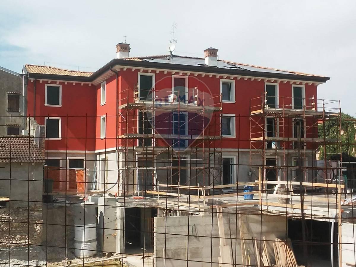 Appartamento in vendita a Buttapietra, 4 locali, prezzo € 250.000 | CambioCasa.it