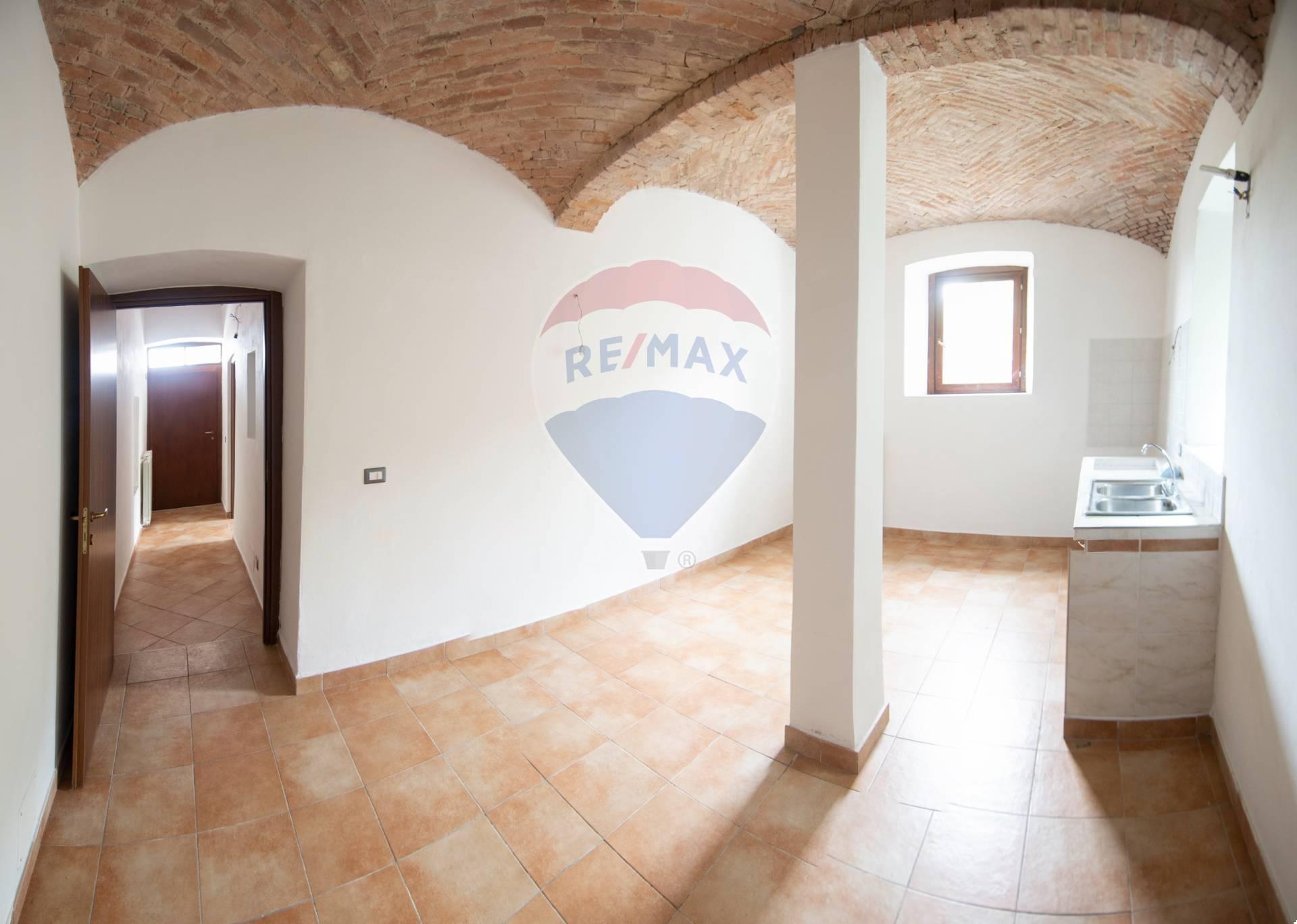 Vendita Bilocale Appartamento Cocquio-Trevisago 270681