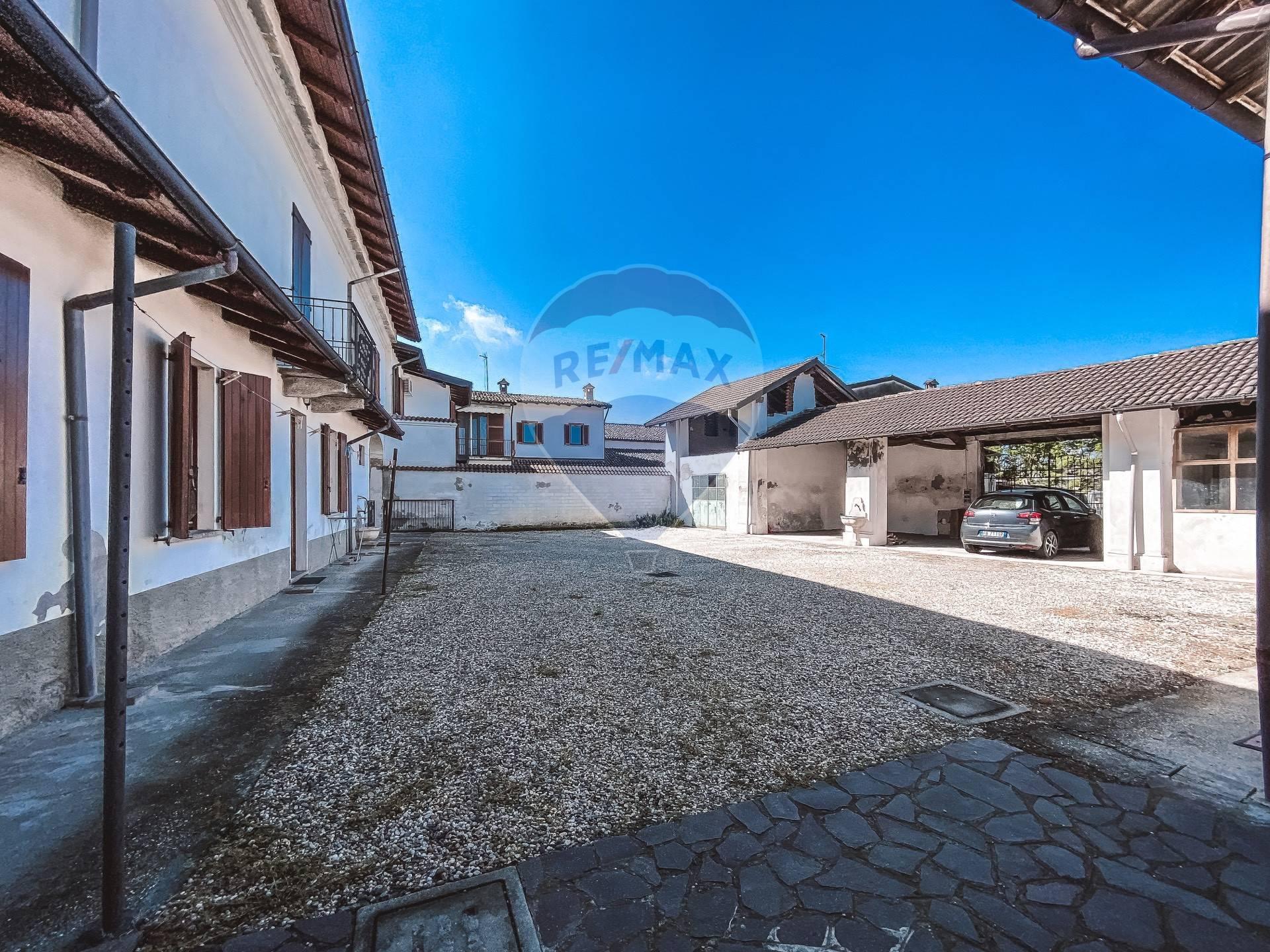 Rustico / Casale in vendita a Alagna, 7 locali, zona Località: AlagnaLomellina, prezzo € 150.000 | CambioCasa.it