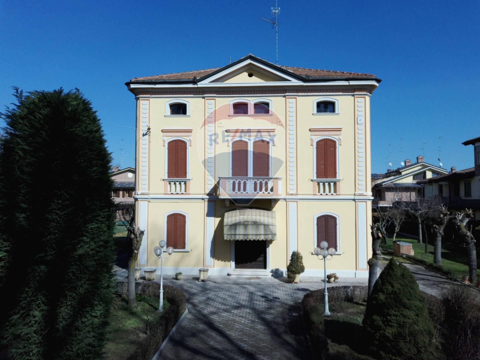 Villa in Vendita a Carpi