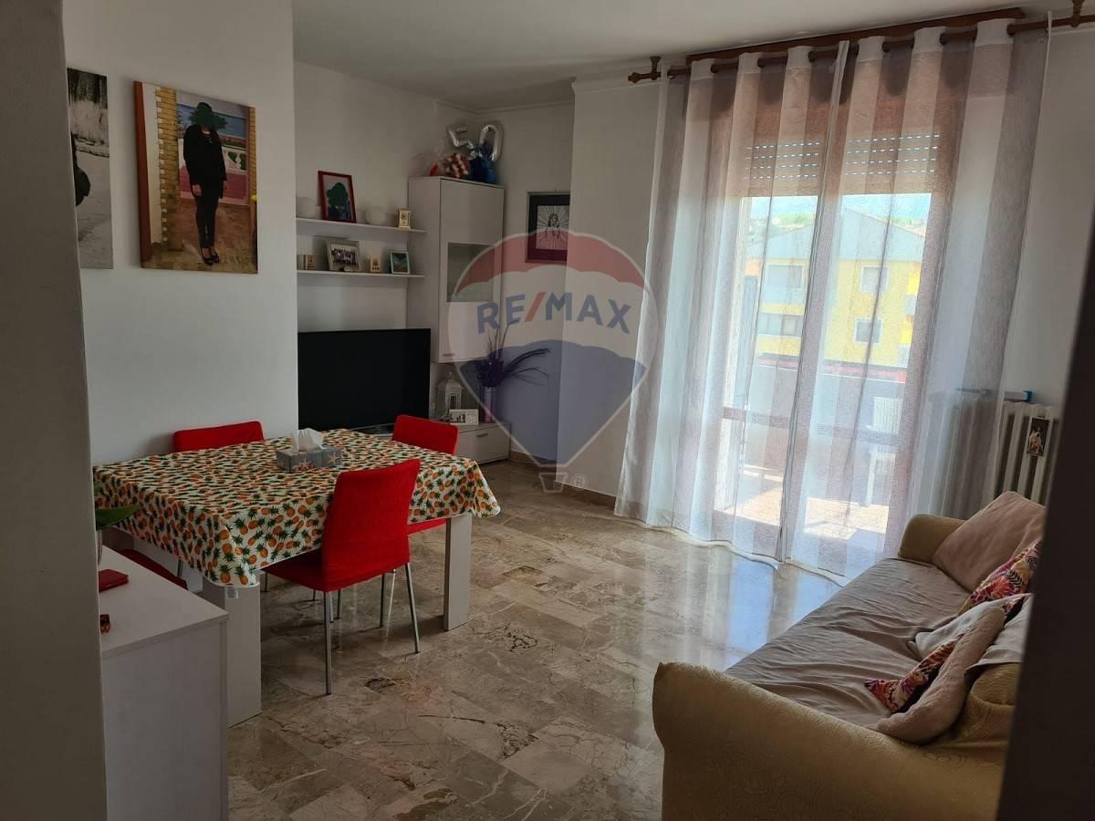 Appartamento in vendita a Caldiero, 5 locali, prezzo € 125.000 | CambioCasa.it