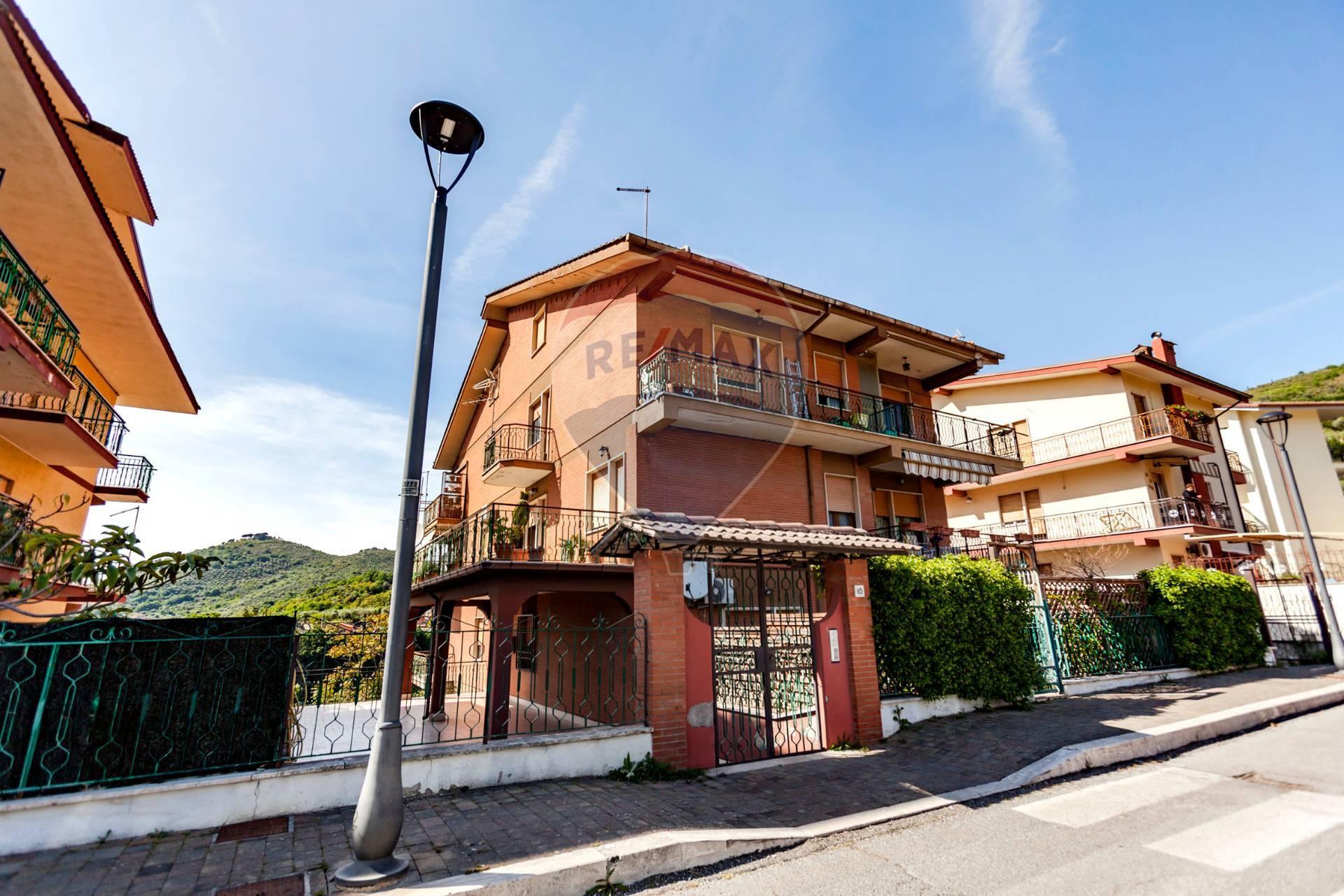 Appartamento in vendita a Poli, 4 locali, prezzo € 160.000 | CambioCasa.it