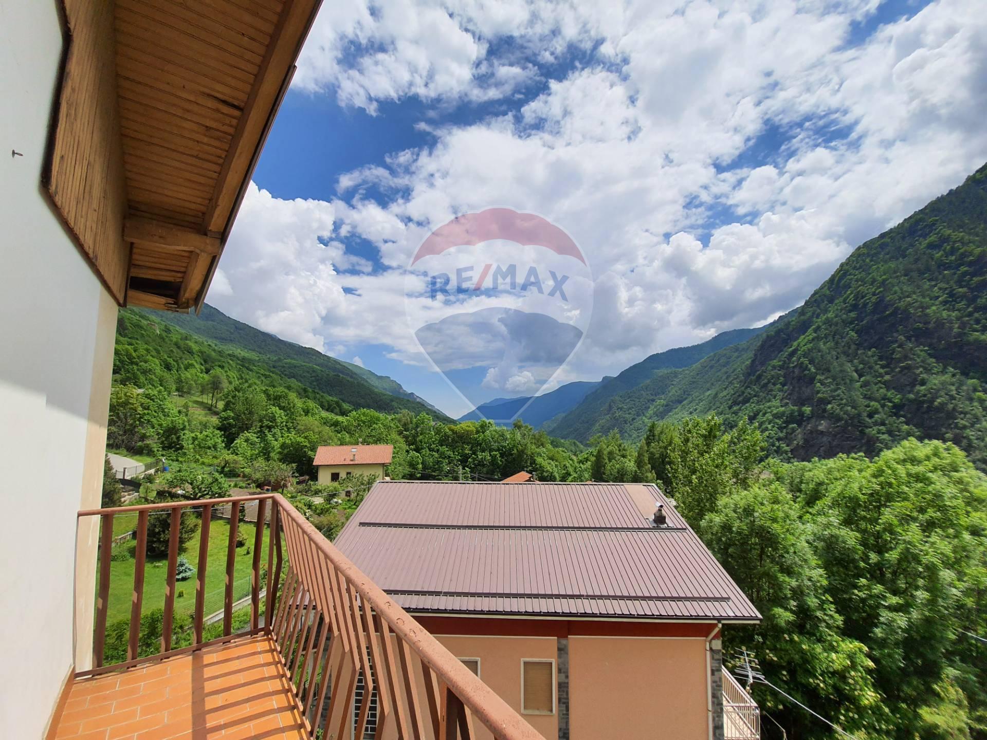 Appartamento in vendita a Roure, 4 locali, zona Zona: Villaretto, prezzo € 29.000 | CambioCasa.it