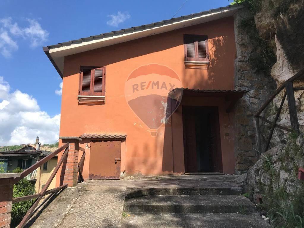 Immobile Turistico in vendita a Subiaco, 5 locali, zona Località: Cappuccini, prezzo € 70.000 | CambioCasa.it