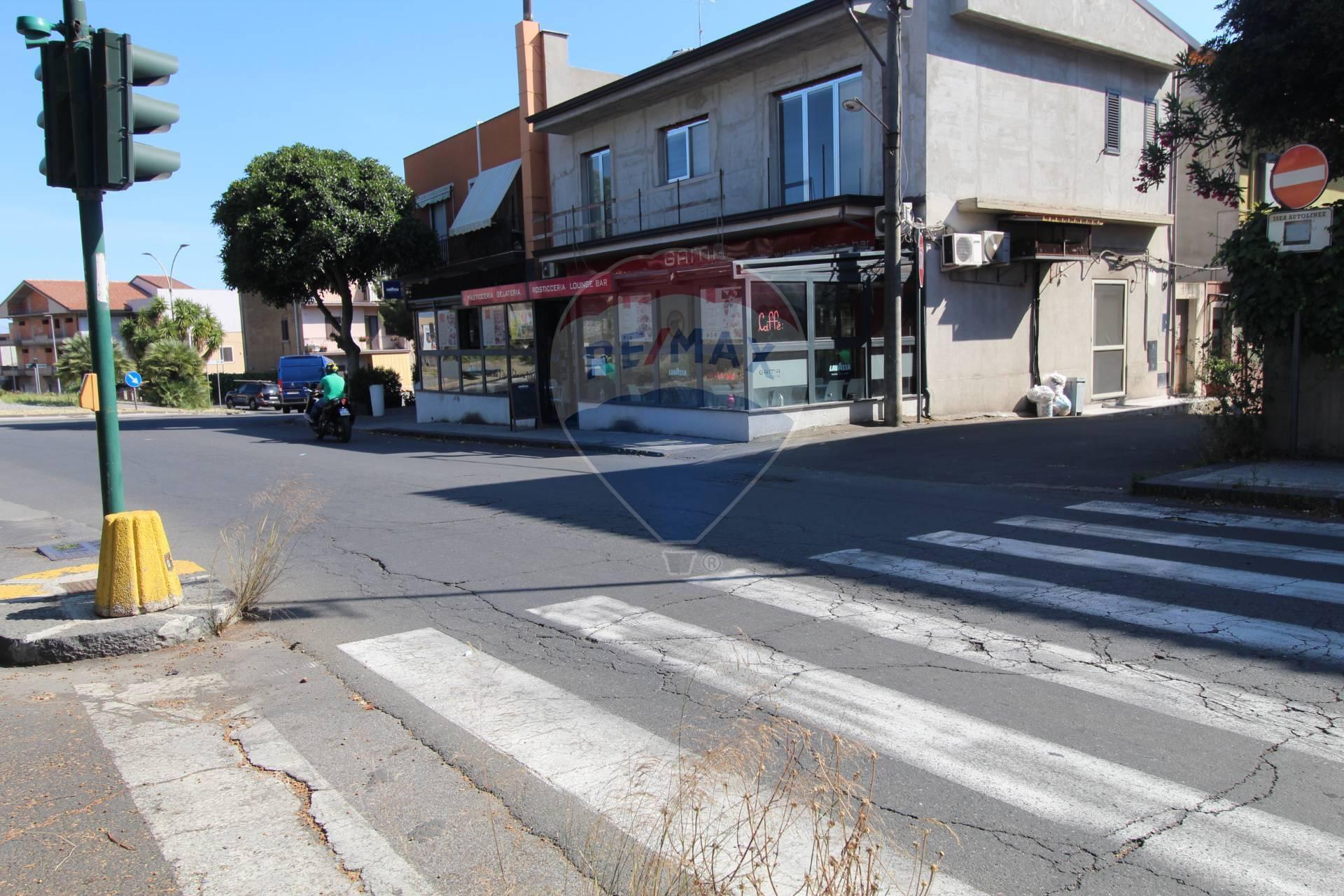 Attività / Licenza in vendita a Biancavilla, 9999 locali, prezzo € 80.000   CambioCasa.it