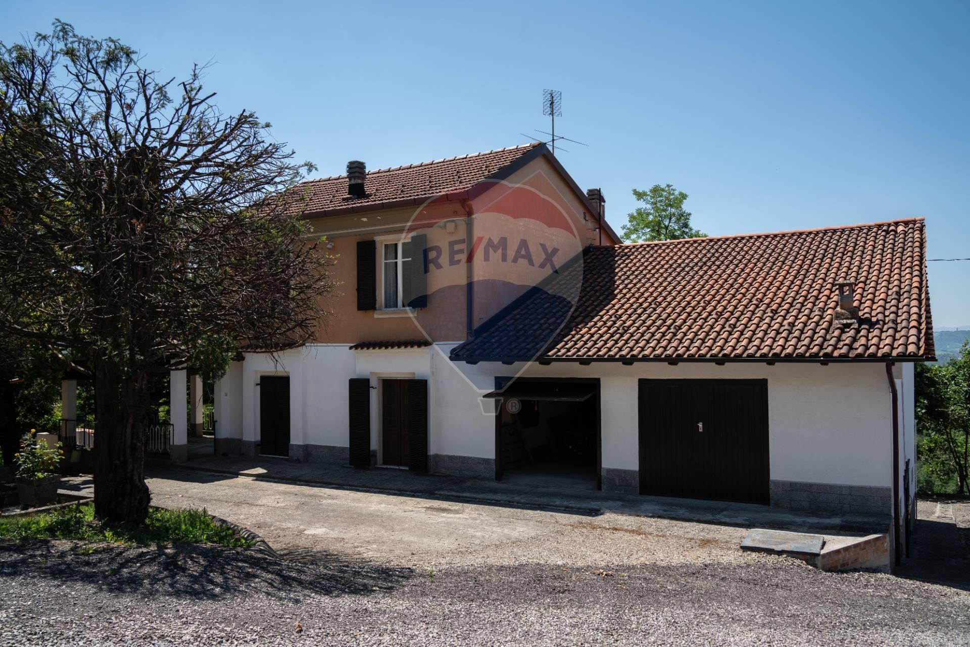 Soluzione Indipendente in vendita a Monleale, 13 locali, zona Zona: Cadaborgo, prezzo € 295.000   CambioCasa.it