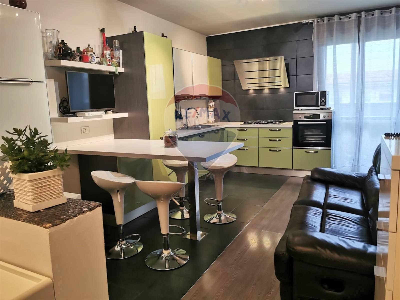 Appartamento in vendita a Mediglia, 5 locali, prezzo € 320.000 | CambioCasa.it