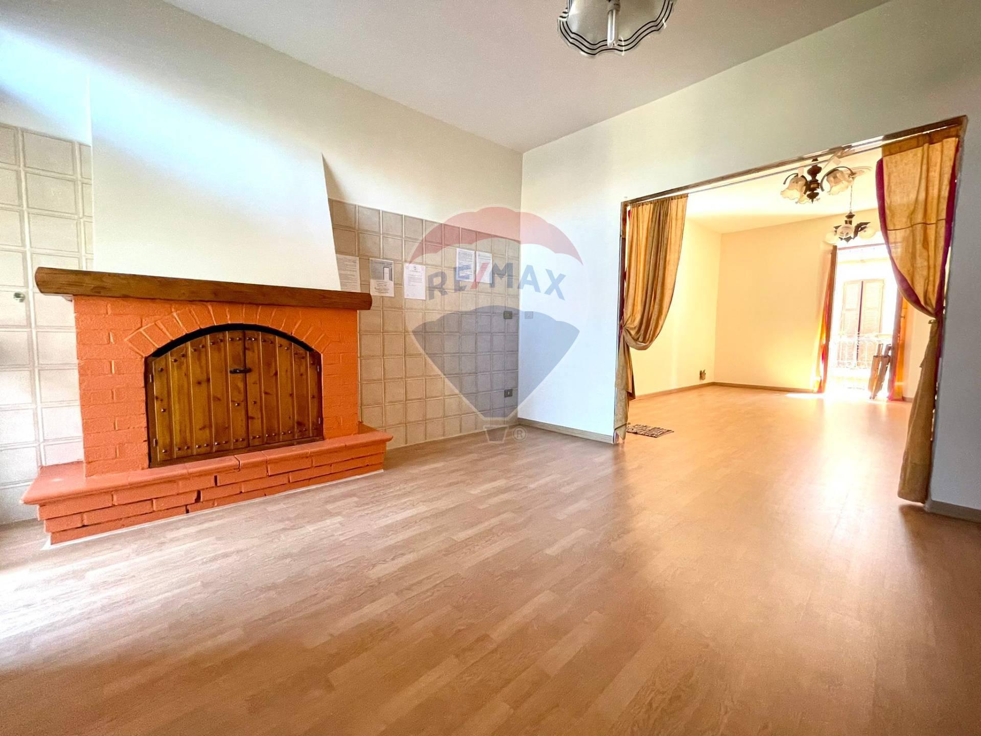 Appartamento in vendita a Campagnano di Roma, 5 locali, prezzo € 76.000   CambioCasa.it