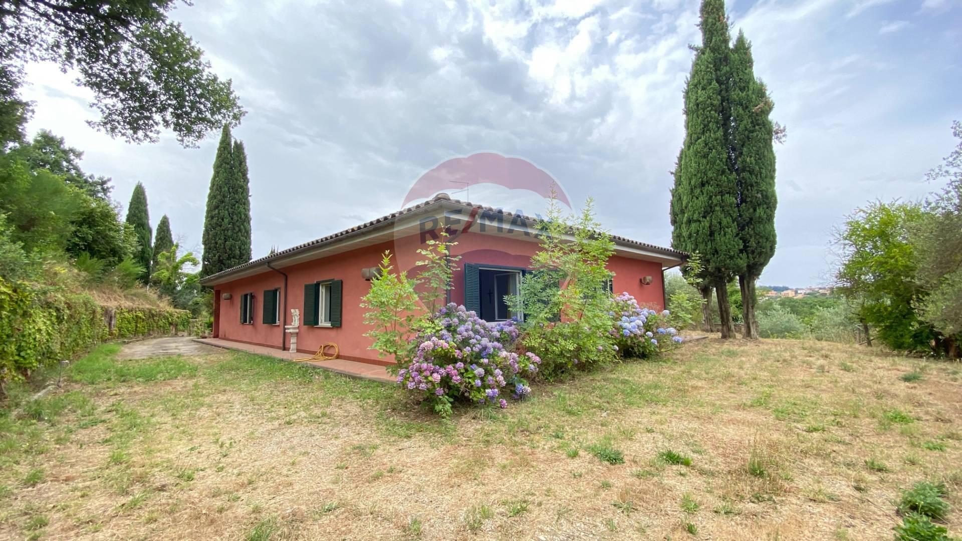 Villa in vendita a Morlupo, 8 locali, prezzo € 290.000 | CambioCasa.it