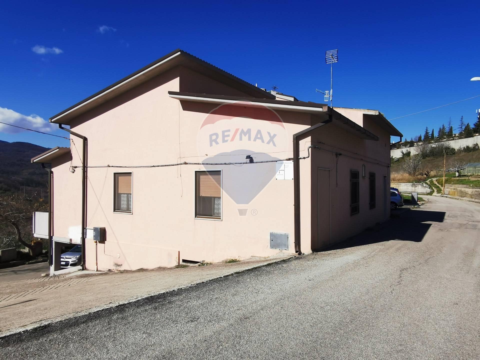 Soluzione Semindipendente in vendita a Atessa, 5 locali, prezzo € 140.000 | CambioCasa.it