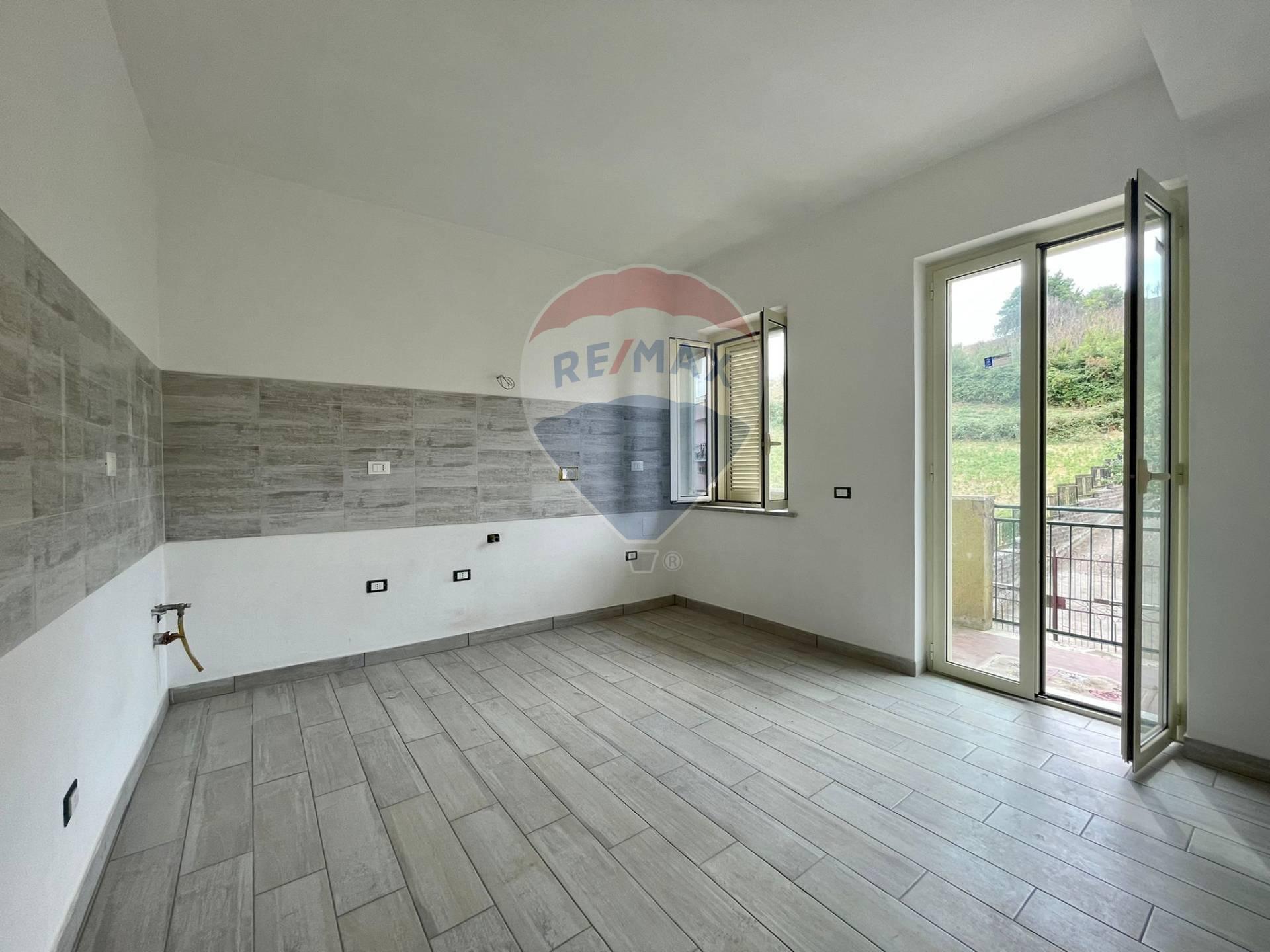 Appartamento in vendita a Rignano Flaminio, 3 locali, prezzo € 80.000 | CambioCasa.it