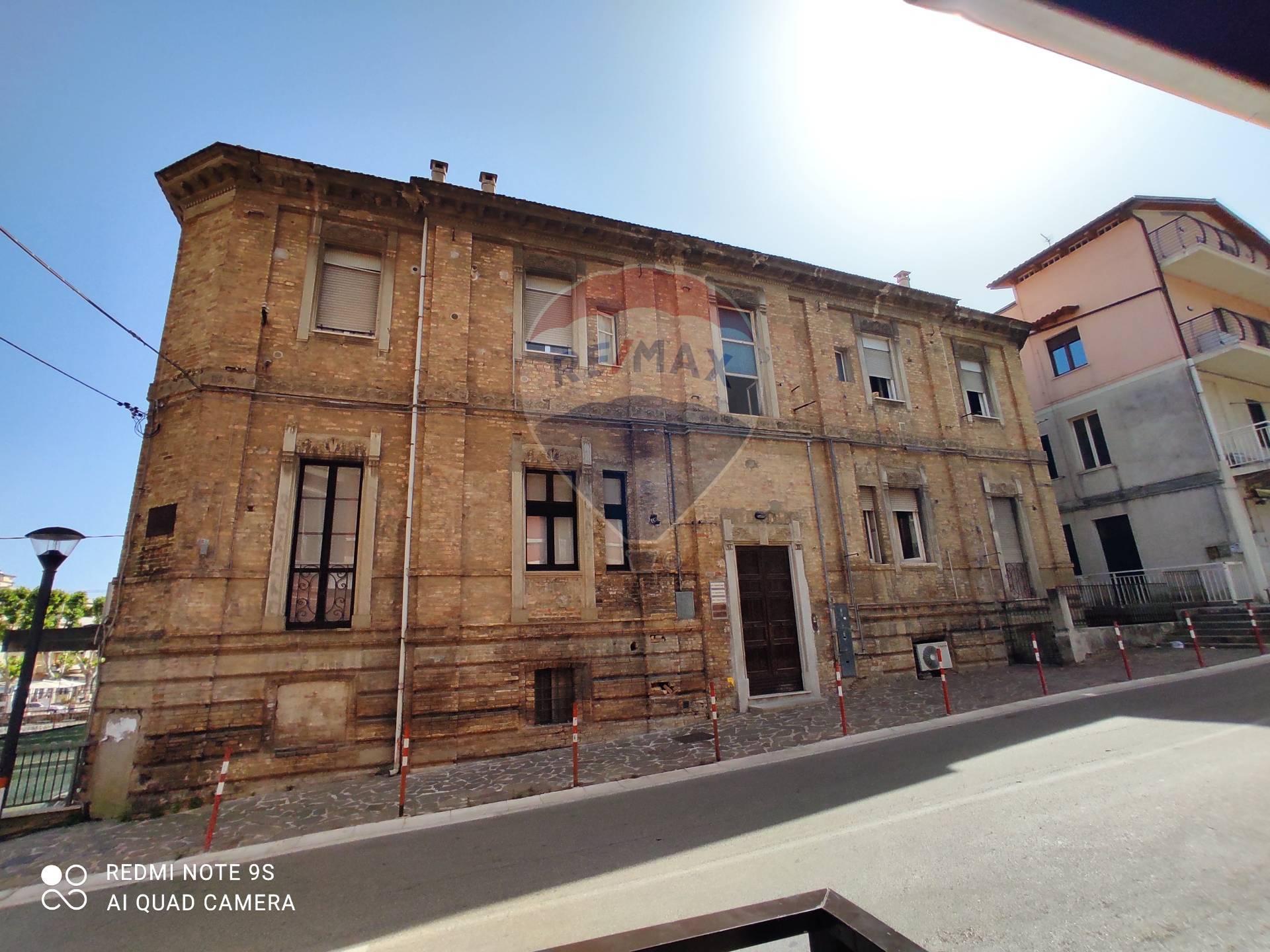 Appartamento in affitto a Francavilla al Mare, 6 locali, prezzo € 575 | CambioCasa.it