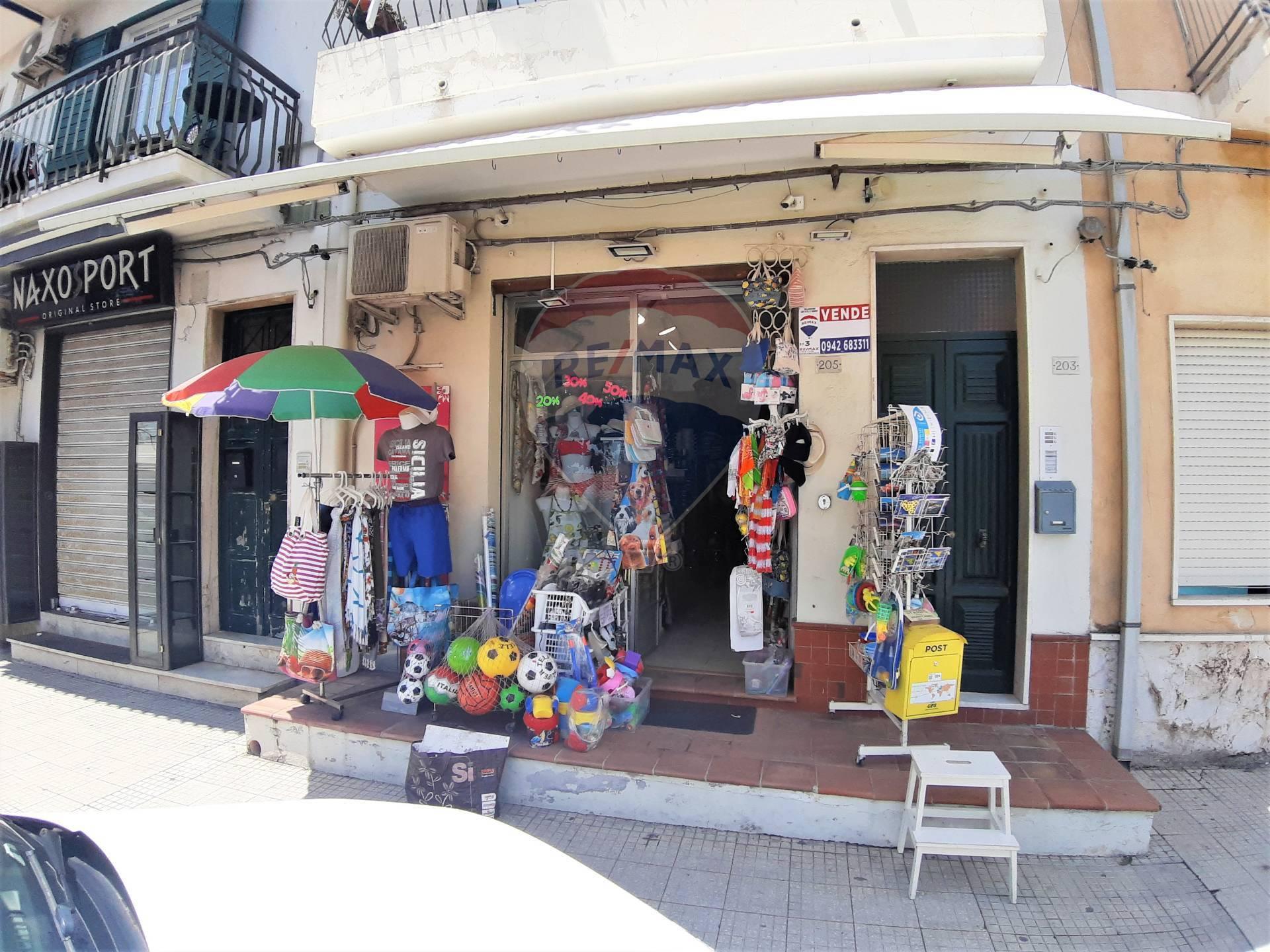 Negozio / Locale in vendita a Giardini-Naxos, 9999 locali, zona Località: Centro, prezzo € 189.000   CambioCasa.it