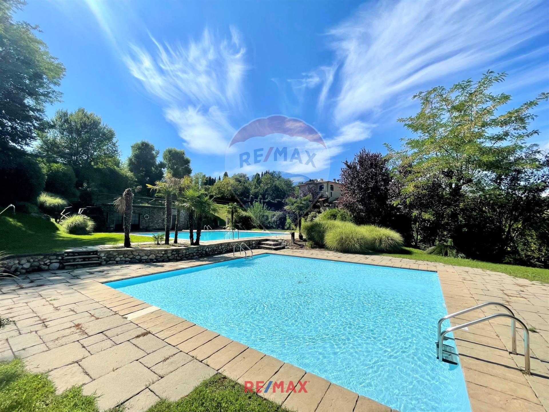 Appartamento in vendita a Desenzano del Garda, 6 locali, zona Località: DesenzanodelGarda, prezzo € 760.000 | PortaleAgenzieImmobiliari.it