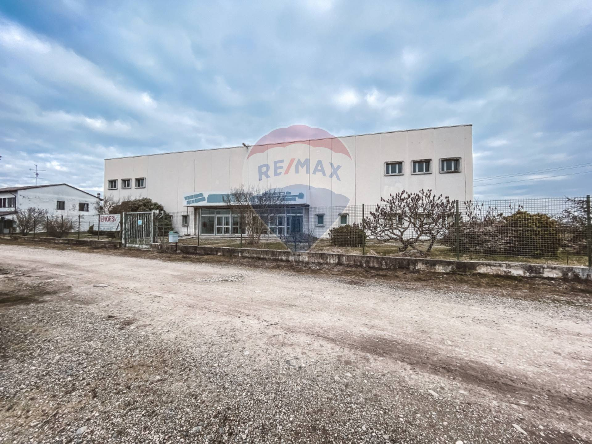 Negozio / Locale in vendita a Palestro, 9999 locali, prezzo € 525.000 | CambioCasa.it