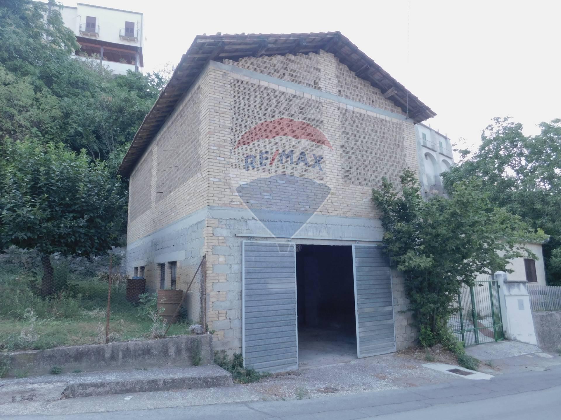 Magazzino in vendita a Rapino, 2 locali, prezzo € 45.000   CambioCasa.it