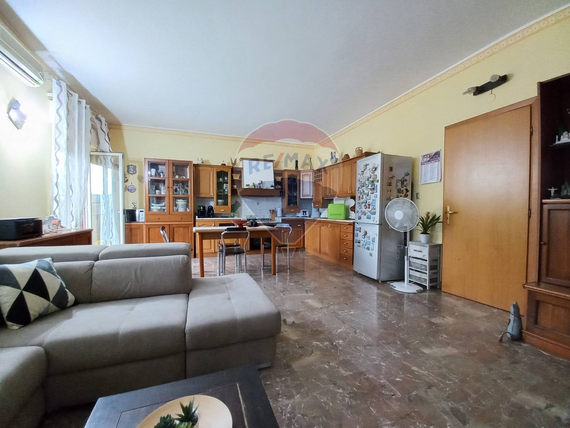 Appartamento in vendita a Gaggi, 8 locali, prezzo € 69.000 | CambioCasa.it