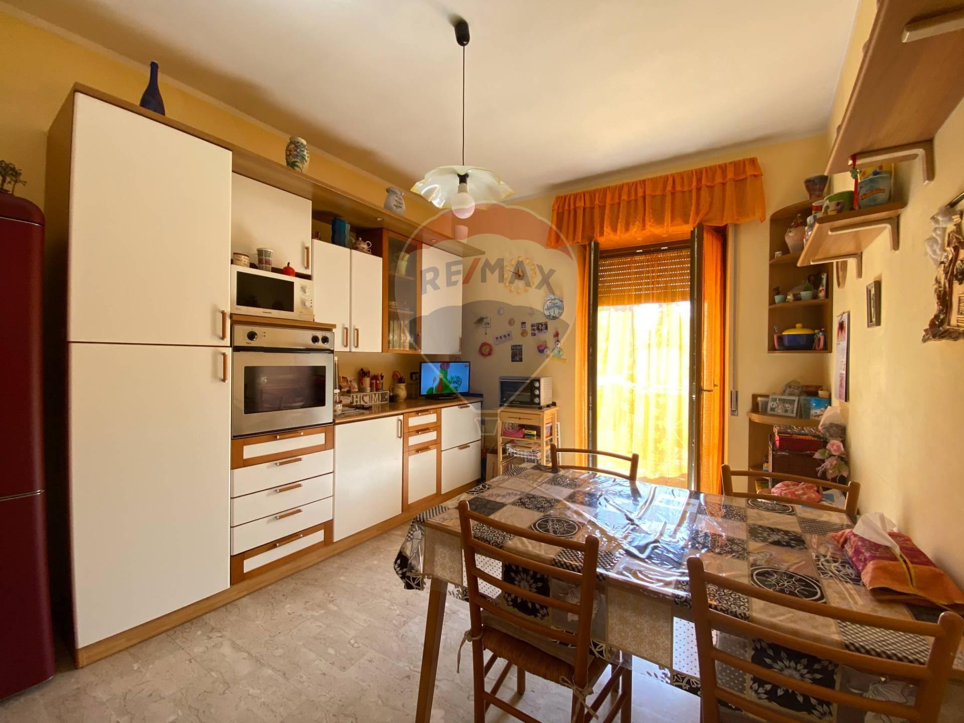 Appartamento in affitto a Cengio, 4 locali, zona Zona: Bormida, prezzo € 300 | CambioCasa.it