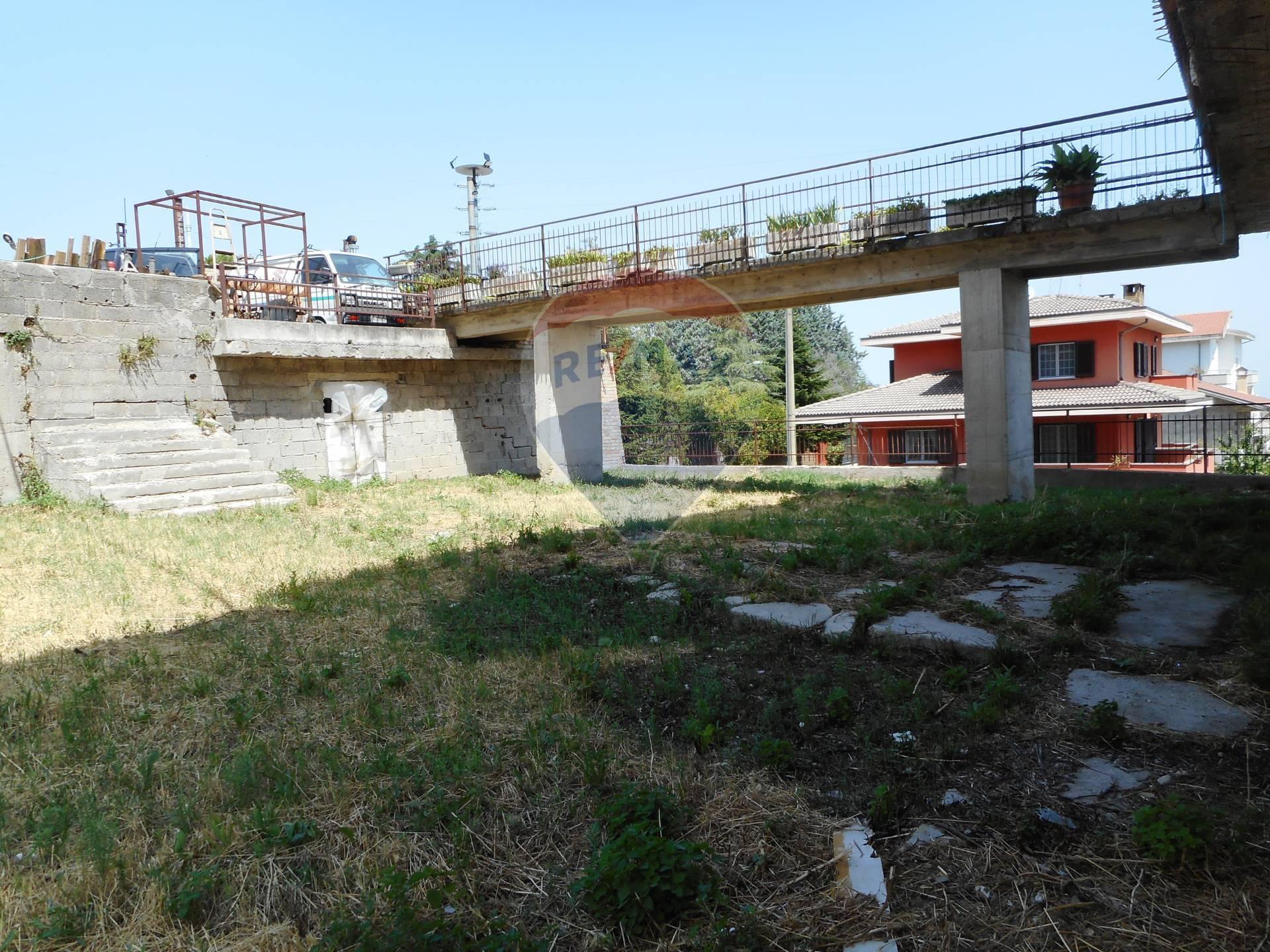 Appartamento in vendita a Atessa, 10 locali, prezzo € 155.000 | CambioCasa.it