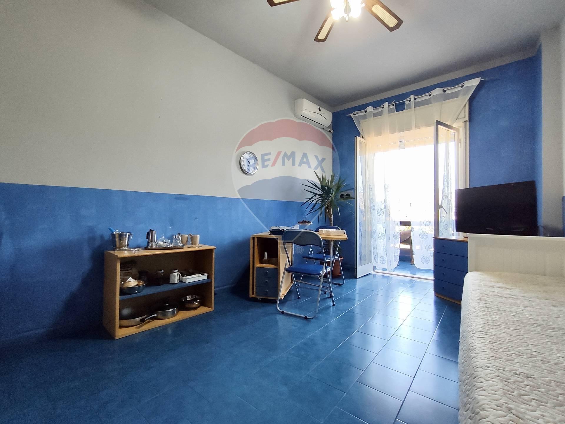 Appartamento in vendita a Giardini-Naxos, 1 locali, zona Zona: Giardini, prezzo € 29.000 | CambioCasa.it