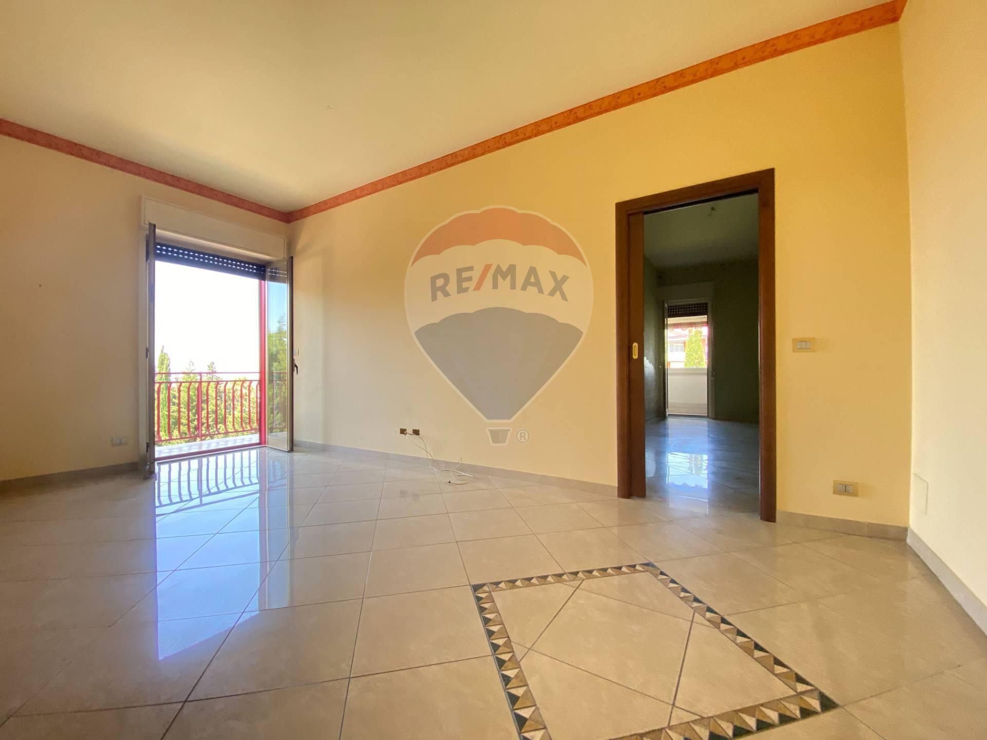 Appartamento in affitto a Belpasso, 2 locali, zona Località: PianoTavola, prezzo € 400   CambioCasa.it