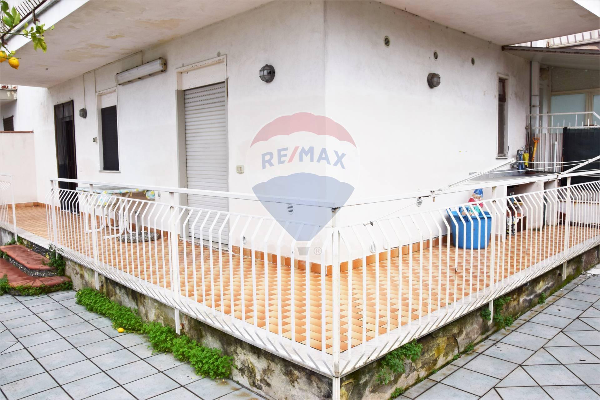 Appartamento in vendita a Giardini-Naxos, 3 locali, prezzo € 95.000 | CambioCasa.it