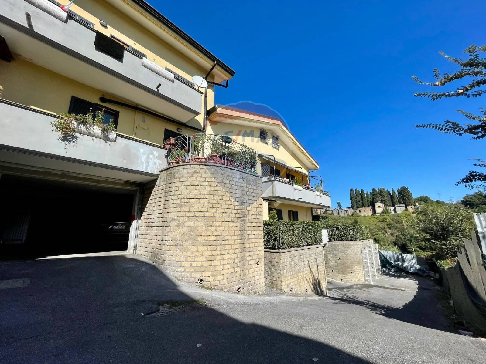 Appartamento in vendita a Campagnano di Roma, 4 locali, prezzo € 189.000   CambioCasa.it