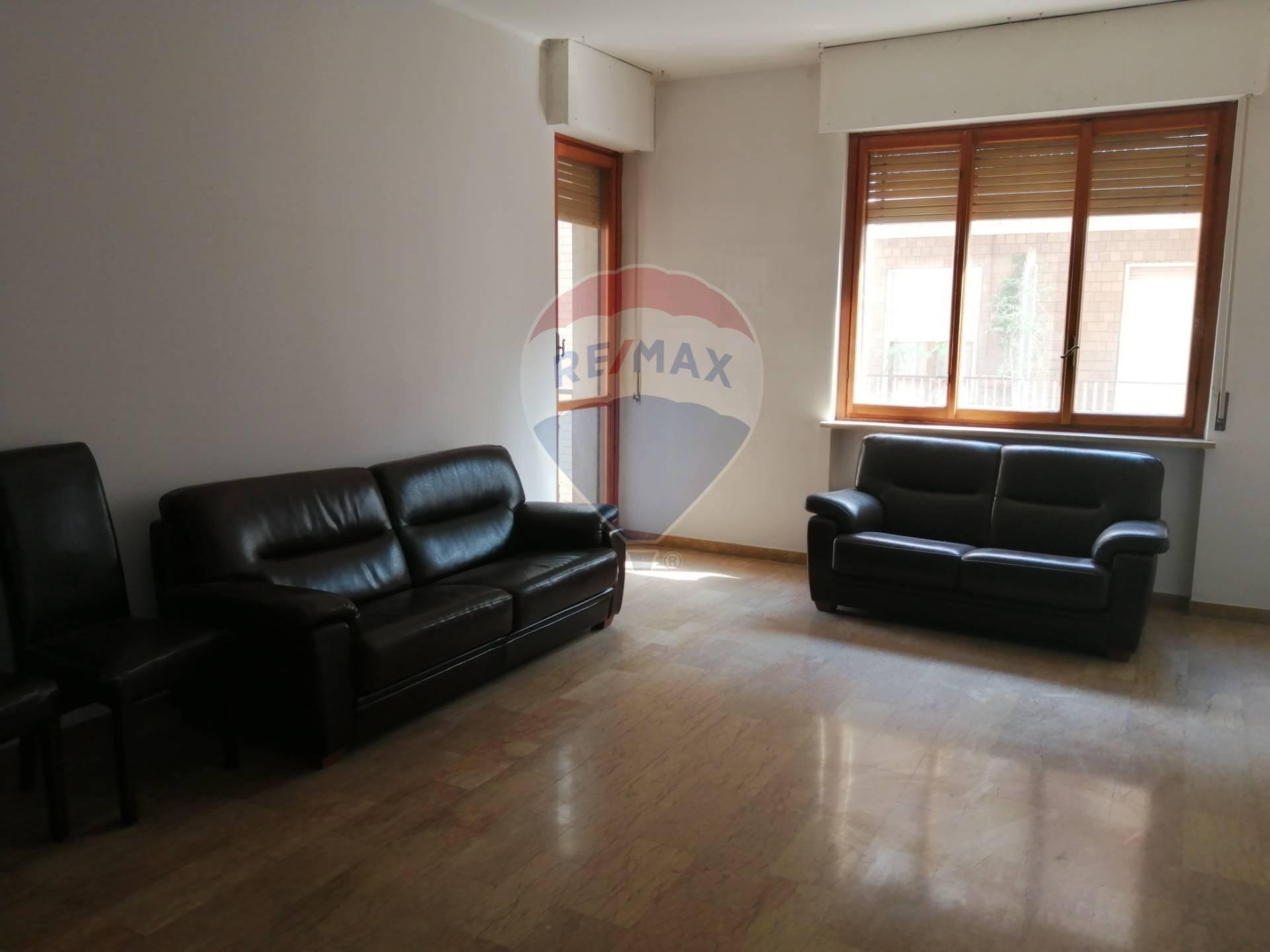 Appartamento in affitto a Alessandria, 3 locali, zona Località: Centro-P.zzaGaribaldi, prezzo € 550   CambioCasa.it