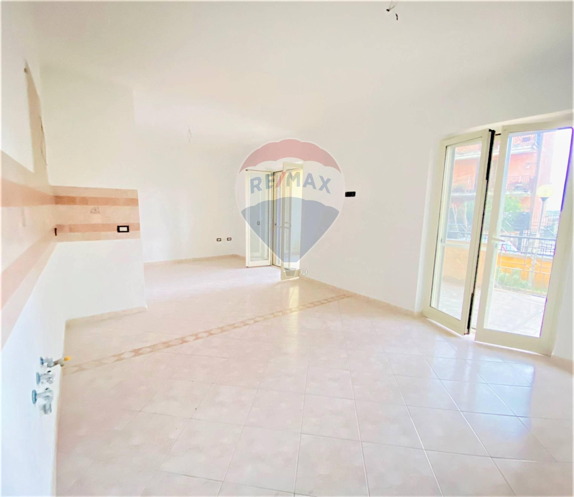 Appartamento in vendita a Acerra, 3 locali, prezzo € 148.000 | CambioCasa.it