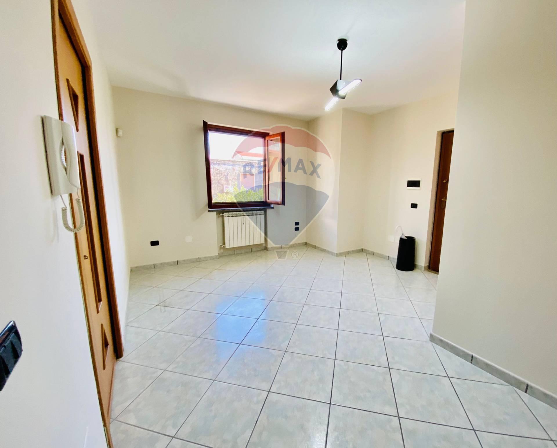 Appartamento in vendita a Acerra, 3 locali, prezzo € 99.500 | CambioCasa.it